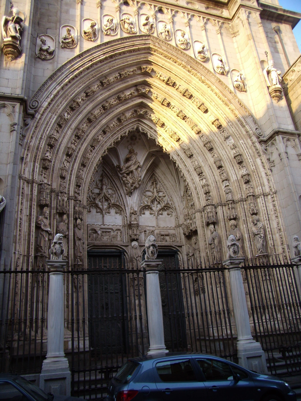 File:Catedral de Toledo Puerta de los Leones.JPG ...