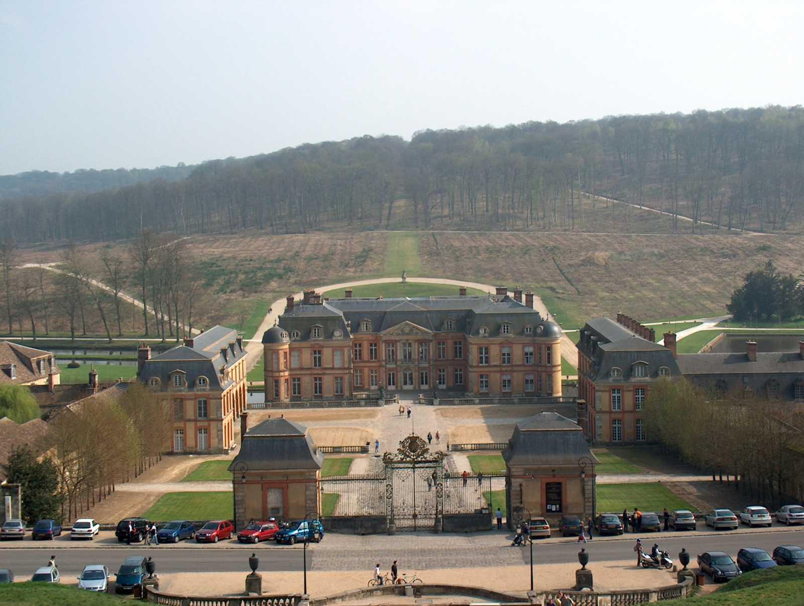 File chateau de dampierre en yvelines wikimedia for Chateau des yvelines