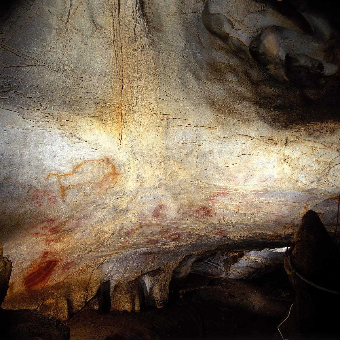 Depiction of Cueva de El Castillo