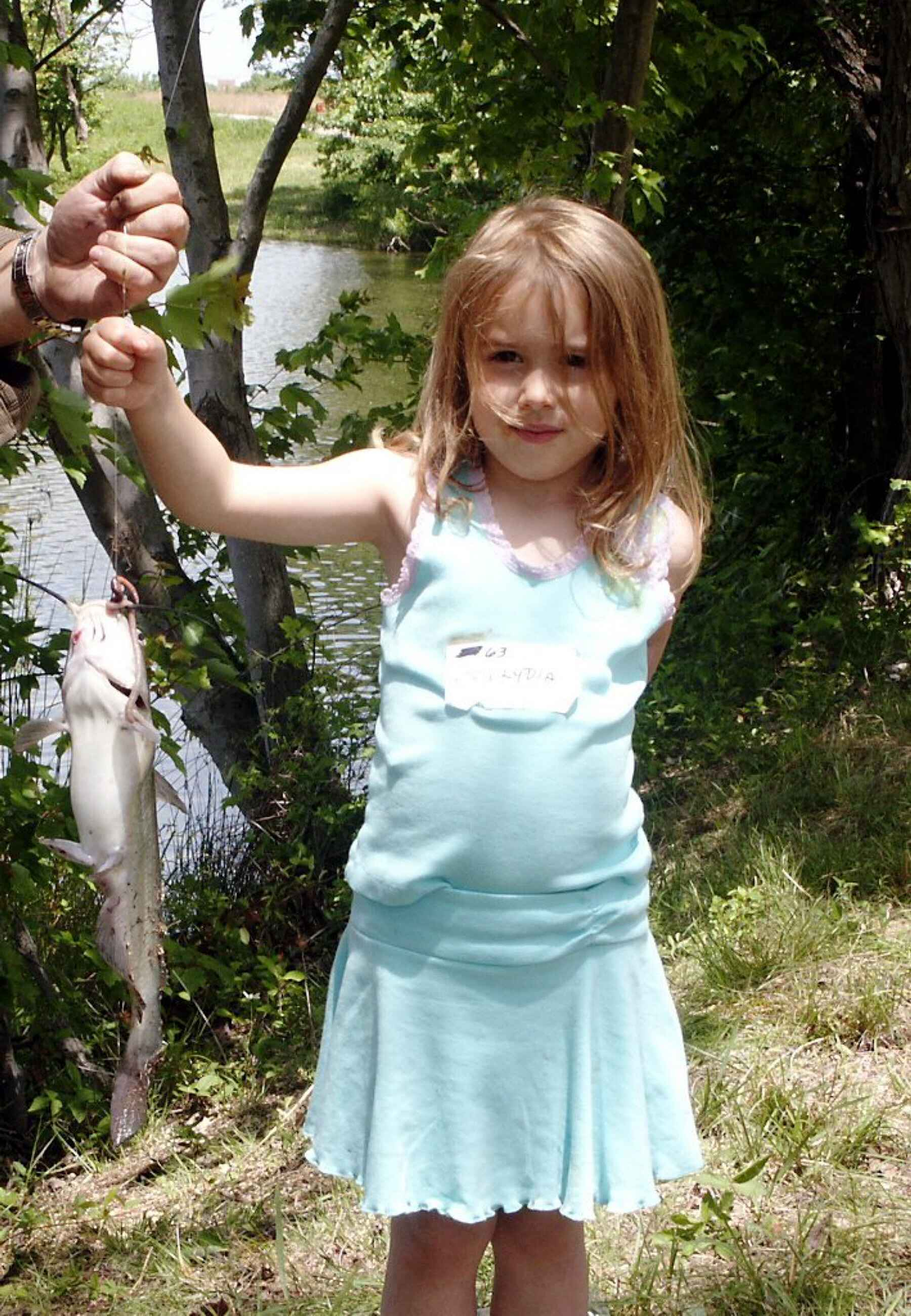 Cute Little Girl Fishing Download Foto Gambar