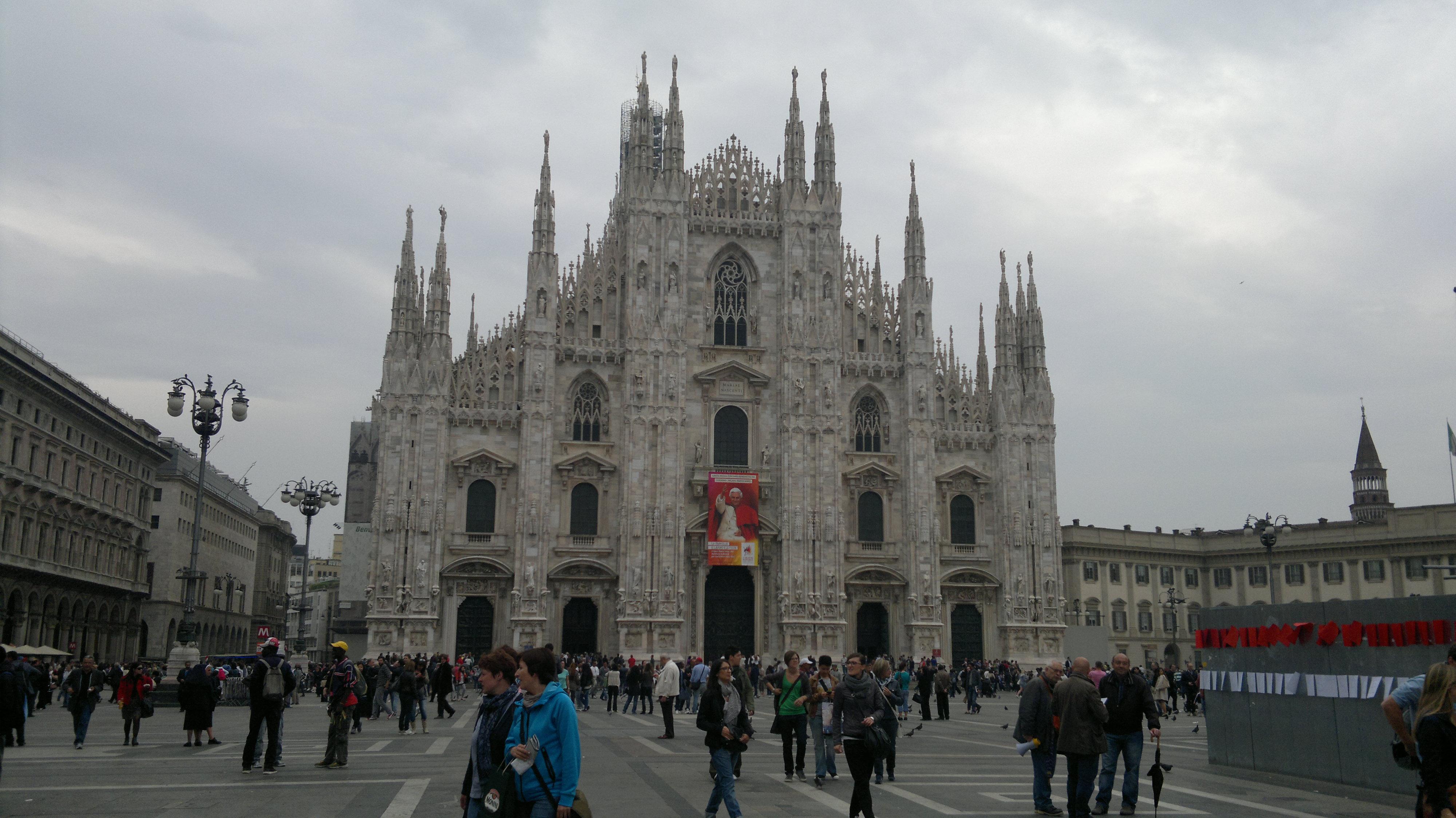 Duomo, Milan, Italy. 2013.jpg