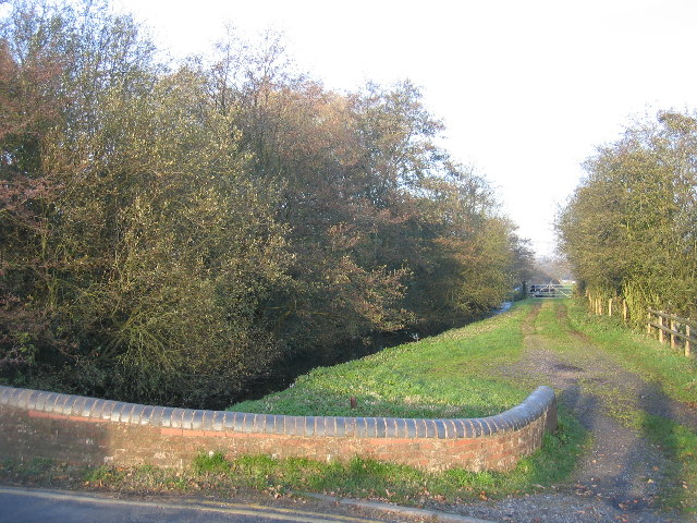 Earlswood Lakes - Canal Feeder - geograph.org.uk - 81363