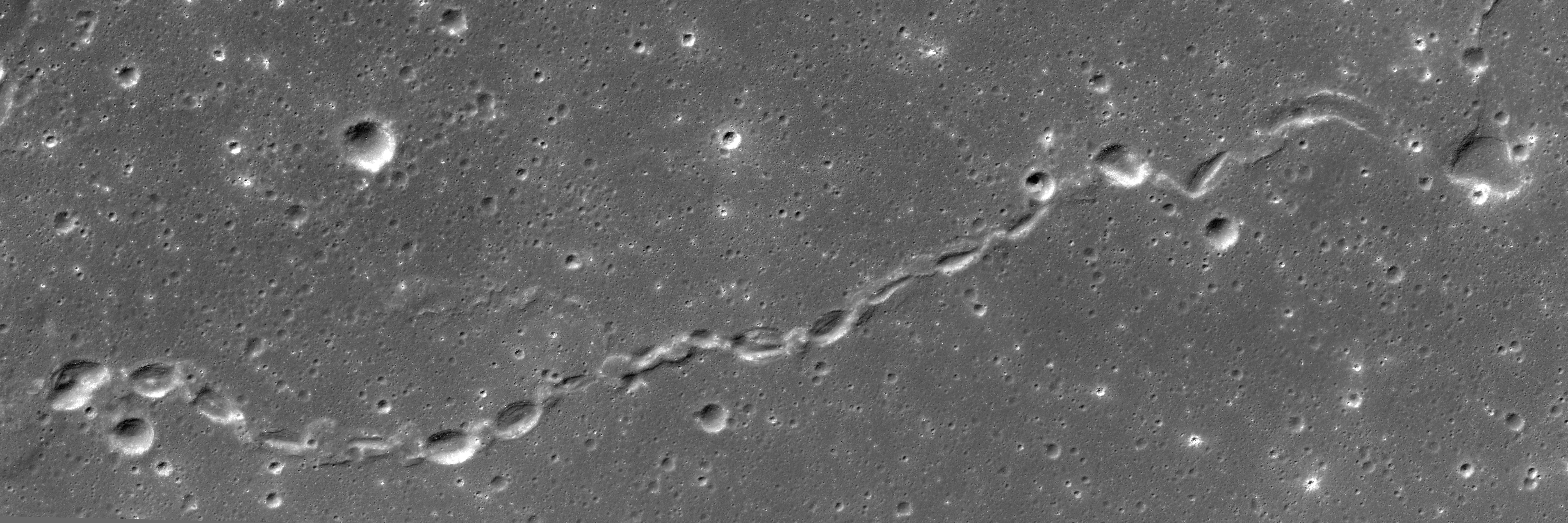 حلقه هایی زنجیره وار را بر جداره های حفره ها که توسط حرکت قوس های الکتریکی ایجاد شده