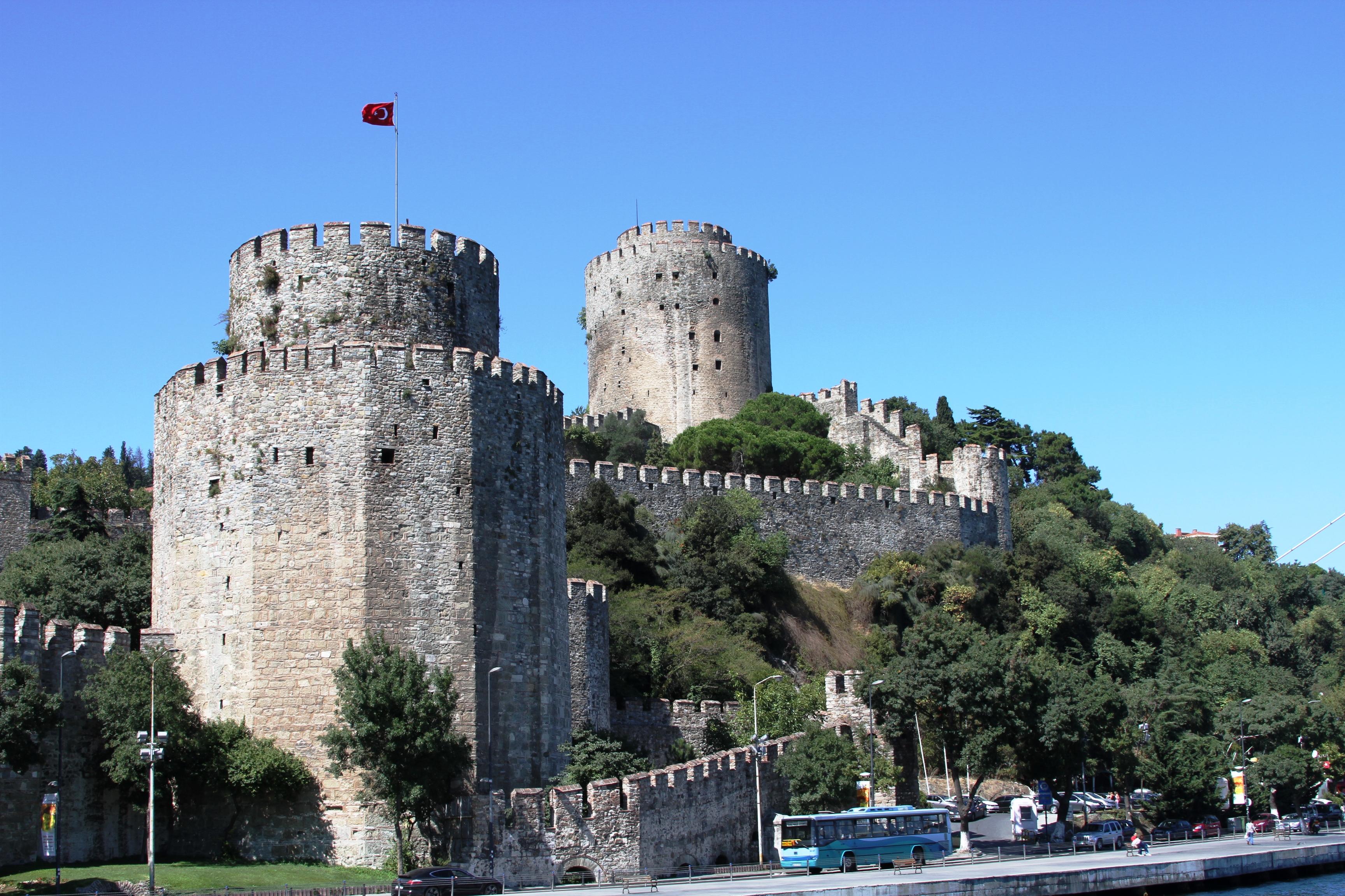 File:Exterior view of Rumeli Hisarı (2).jpg - Wikimedia ...