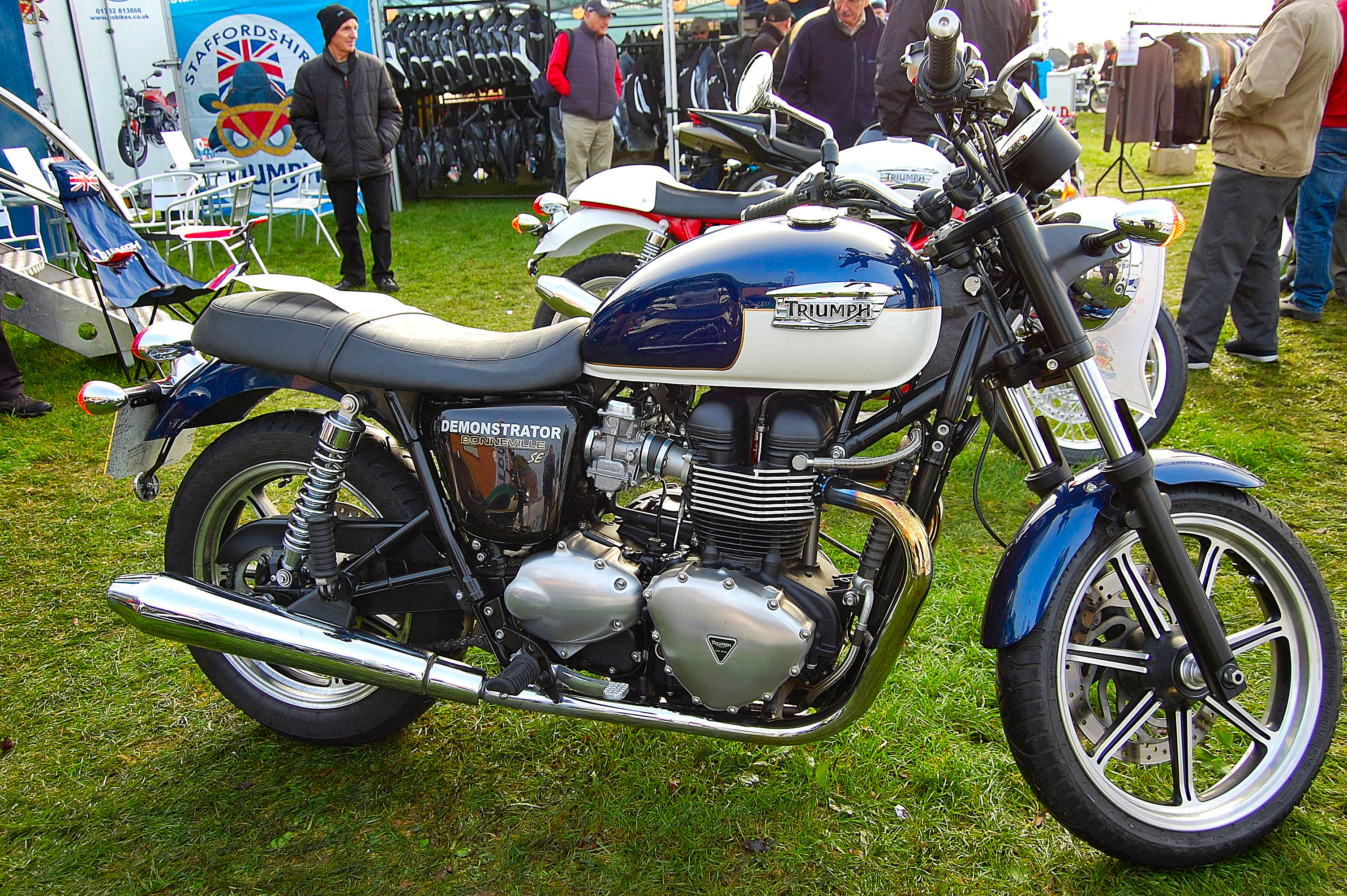 Fileflickr Ronsaunders47 The New Breed Of Triumph Bonneville