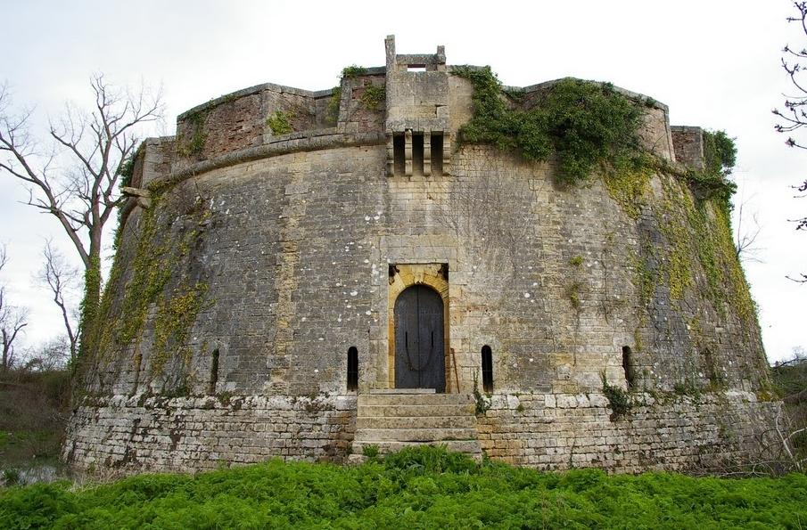 Chateau A Restaurer Vend Ef Bf Bde