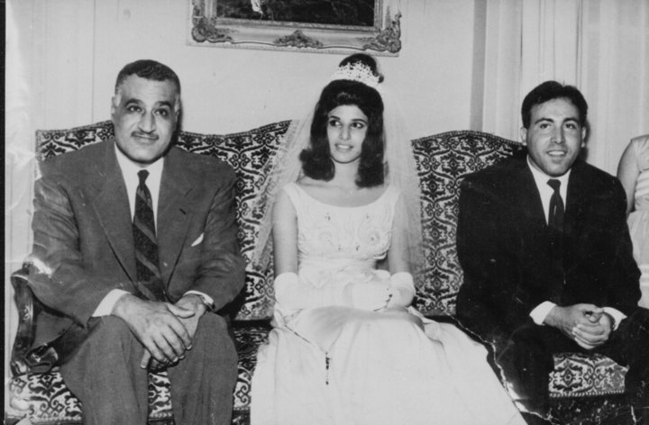 https://upload.wikimedia.org/wikipedia/commons/9/9b/Fouad_Alrikabi_-_Wedding_-_Cairo_1963.jpg
