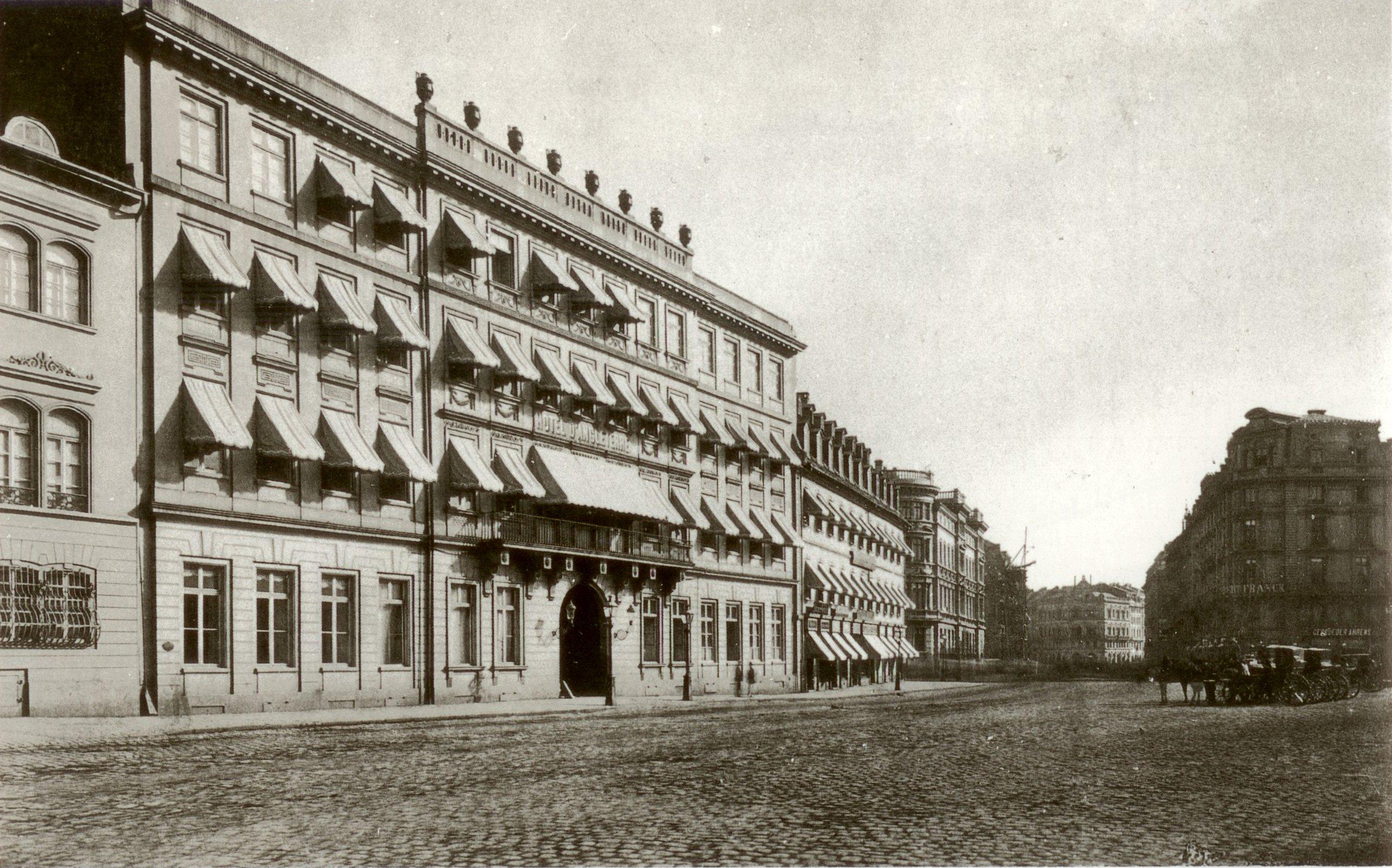 https://upload.wikimedia.org/wikipedia/commons/9/9b/Frankfurt_Englischer_Hof_1878.jpg