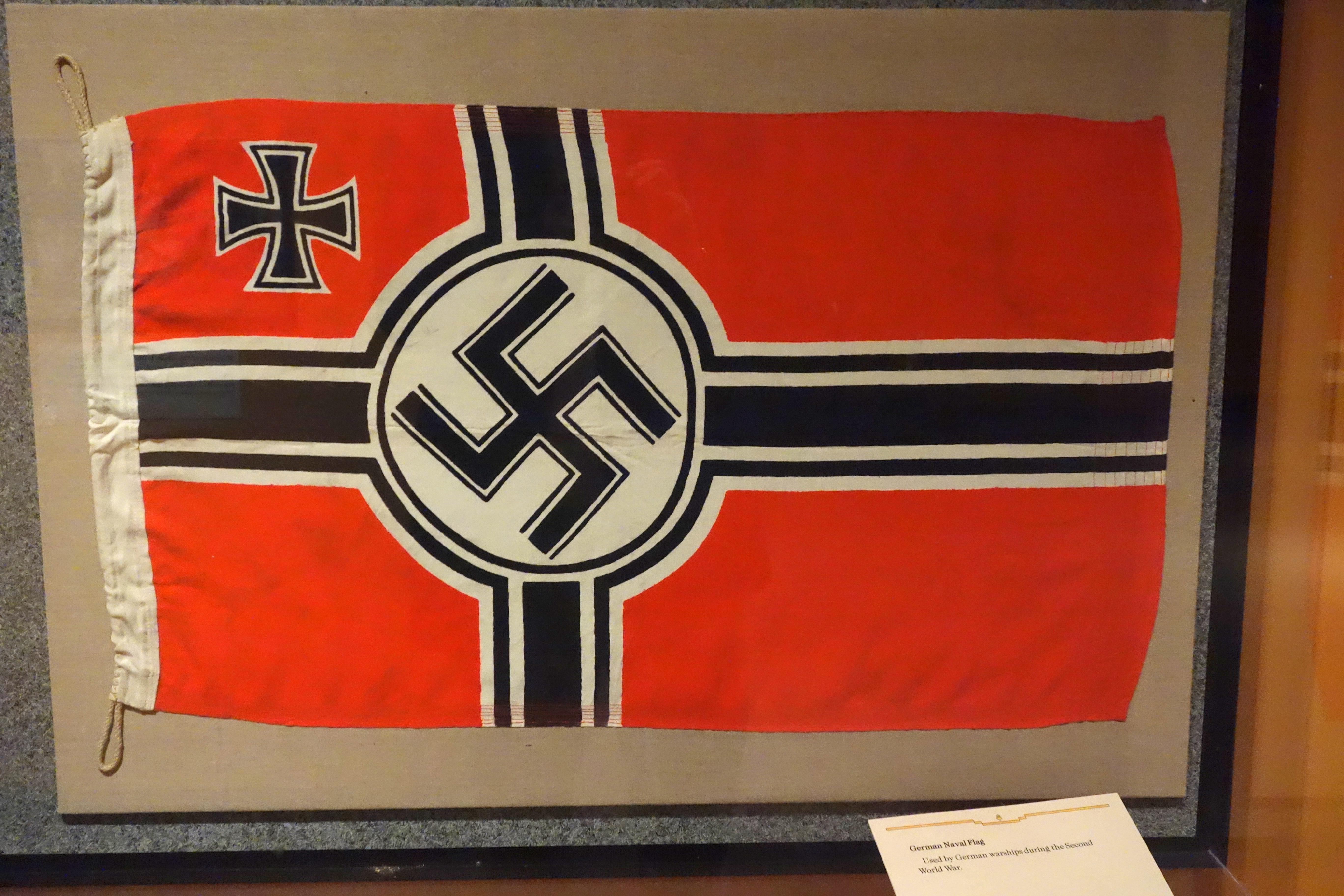 File German Naval Flag World War Ii Glenbow Museum Dsc00677 Jpg Wikimedia Commons