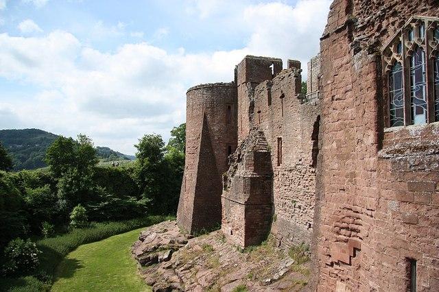 Goodrich Castle - geograph.org.uk - 1417565