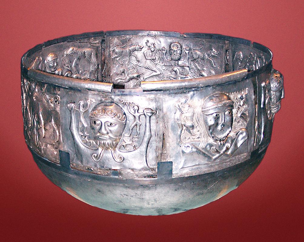 Срібний кельський котел із Гундеструпа