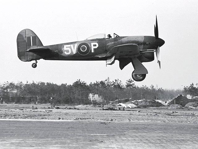 Hawker Typhoon Mk IB RB402