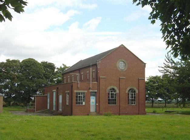 File:Highfield Lane borehole pumping station - geograph.org.uk - 502610.jpg