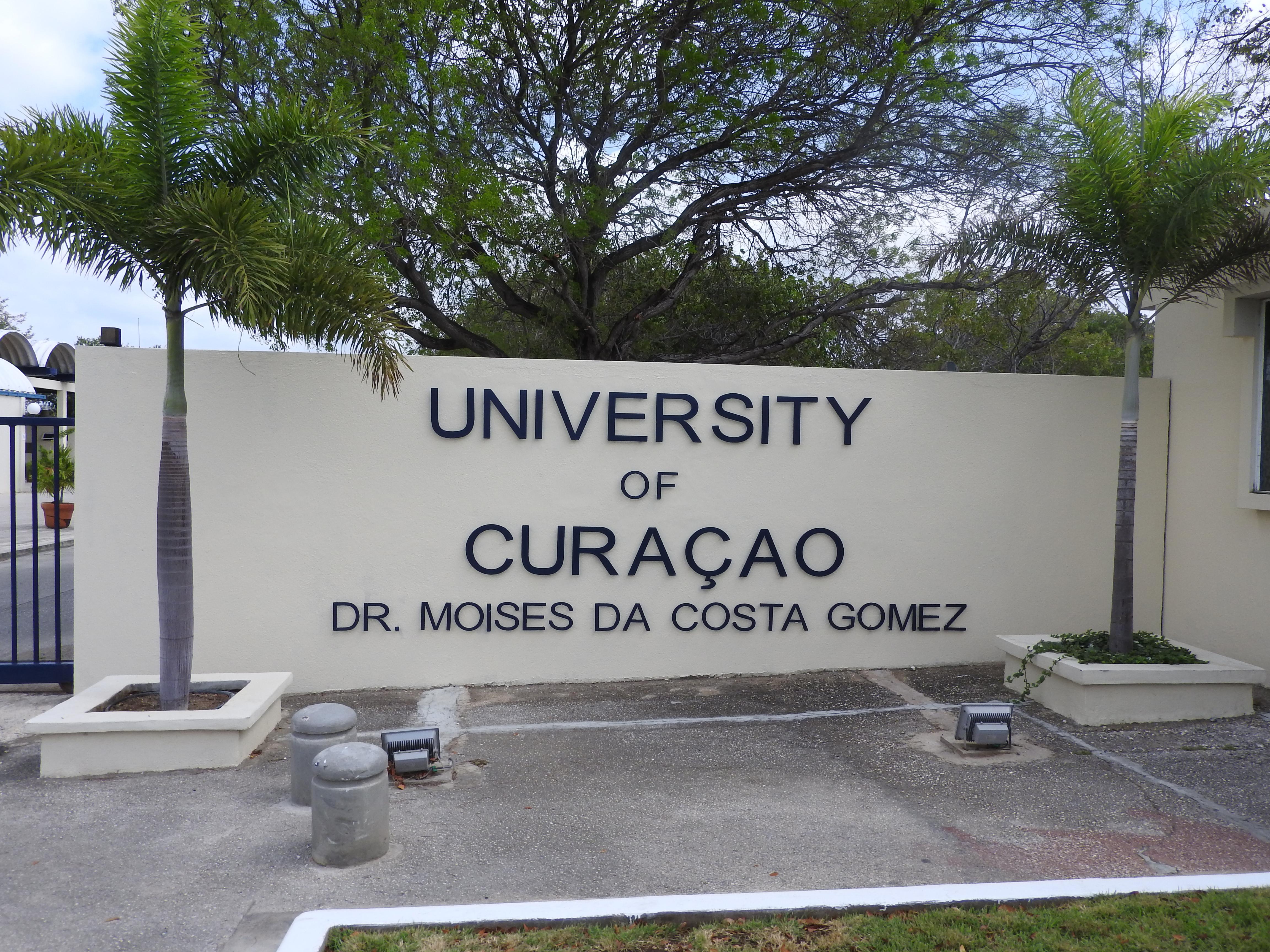 University of Curaçao - Wikipedia