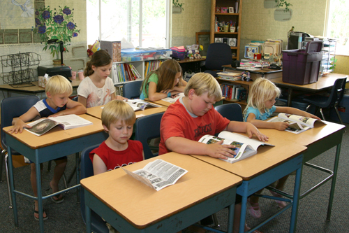 Modern Classroom Assessment ~ File hopechapelclassroom g wikimedia commons