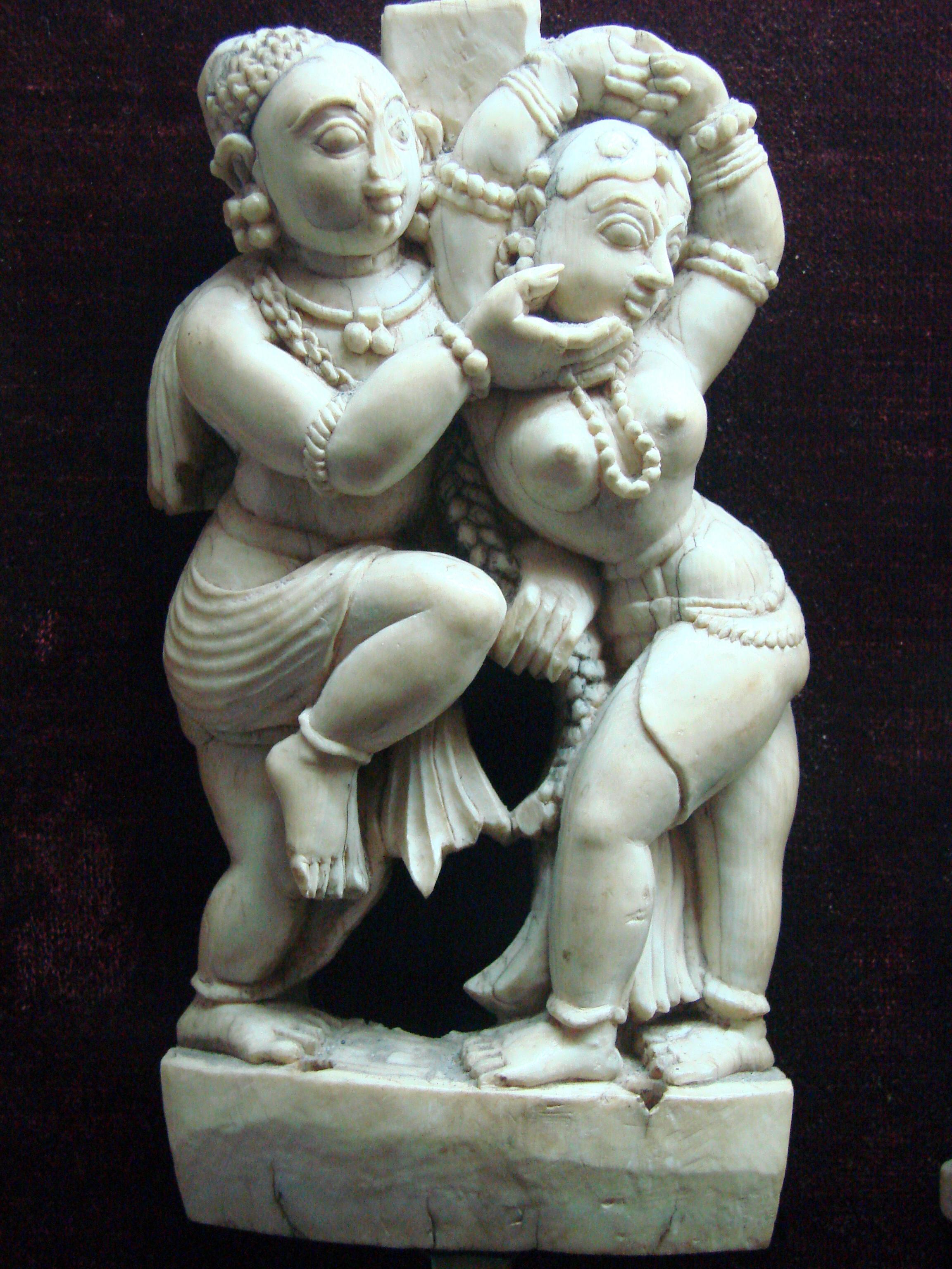 Indijsko vajarstvo Ivory_Sculpture_-_Sri_Meenakshi-Sundareshwarar_Temple_-_Madurai_-_India_01