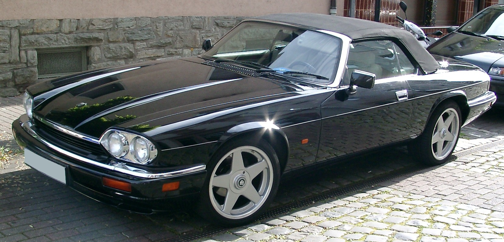 FileJaguar XJS Cabrio front 20070920jpg  Wikimedia Commons