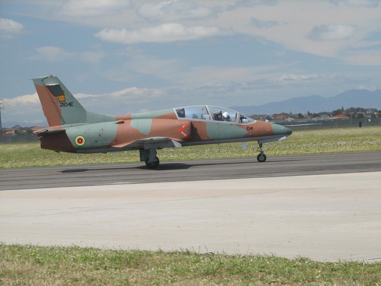 Aggressive Air Zimbabwe Travelling Necessaire With 10 Pieces Aeronautica