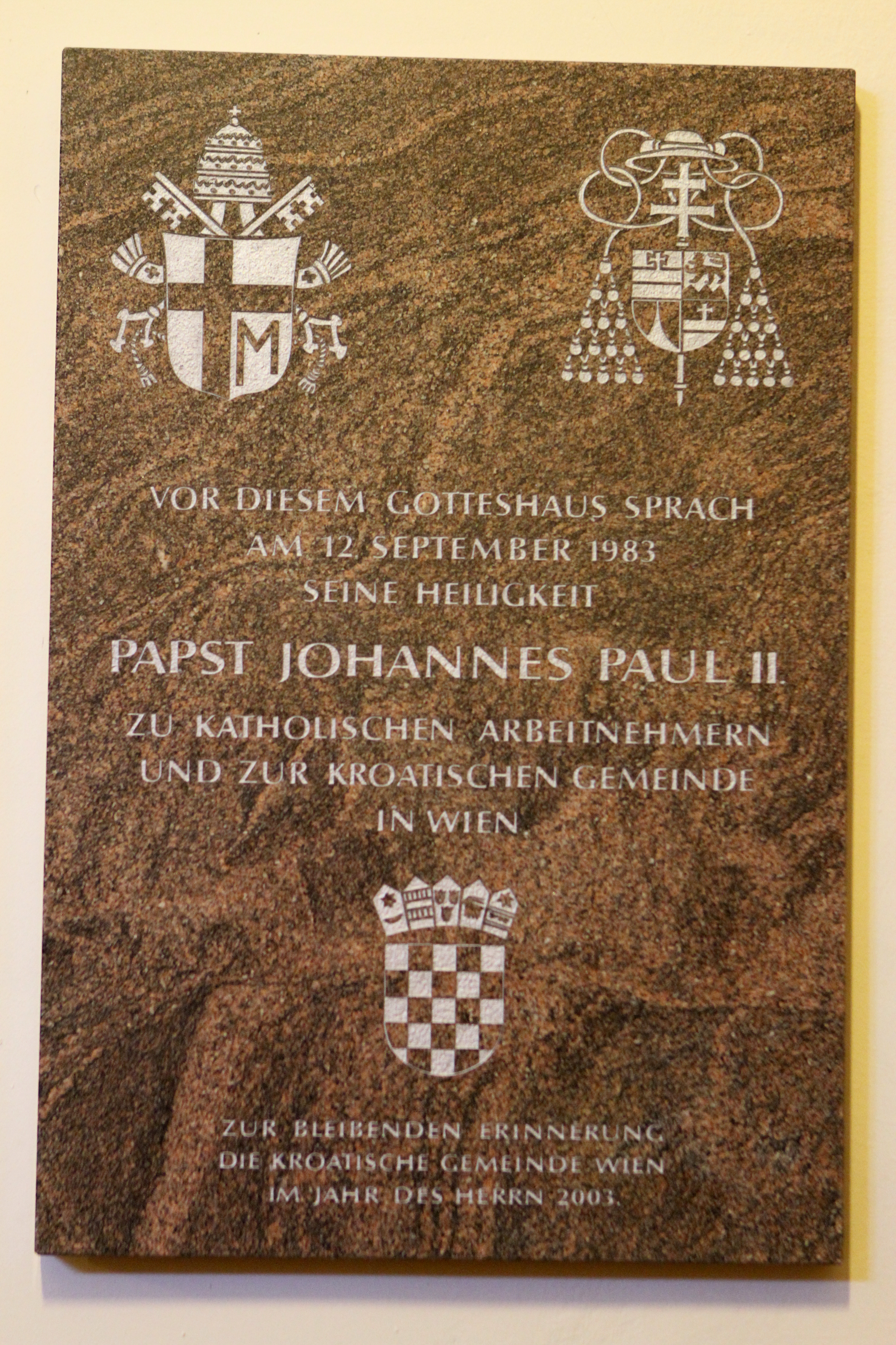 Kirche Am Hof IMG 6583 Gedenktafel.JPG