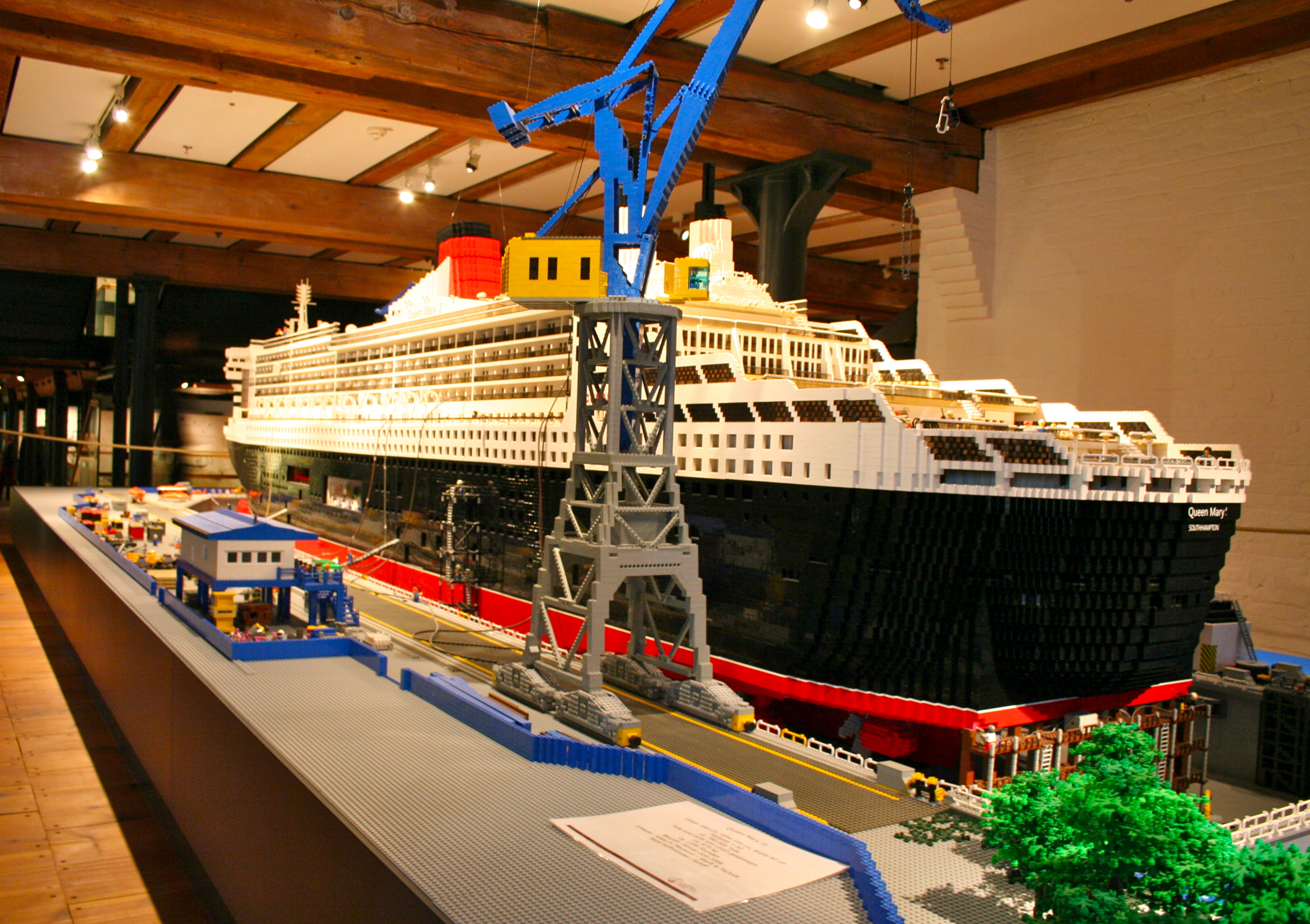 huge rc boats with File Lego Queen Mary 2 Model   Internationales Maritimes Museum Hamburg on RemoteControlGiantTRexDinosaurRTRRC together with Collectionldwn Largest Car In The World in addition Worlds Largest Aircraft also Showthread additionally File LEGO Queen Mary 2 model   Internationales Maritimes Museum Hamburg.