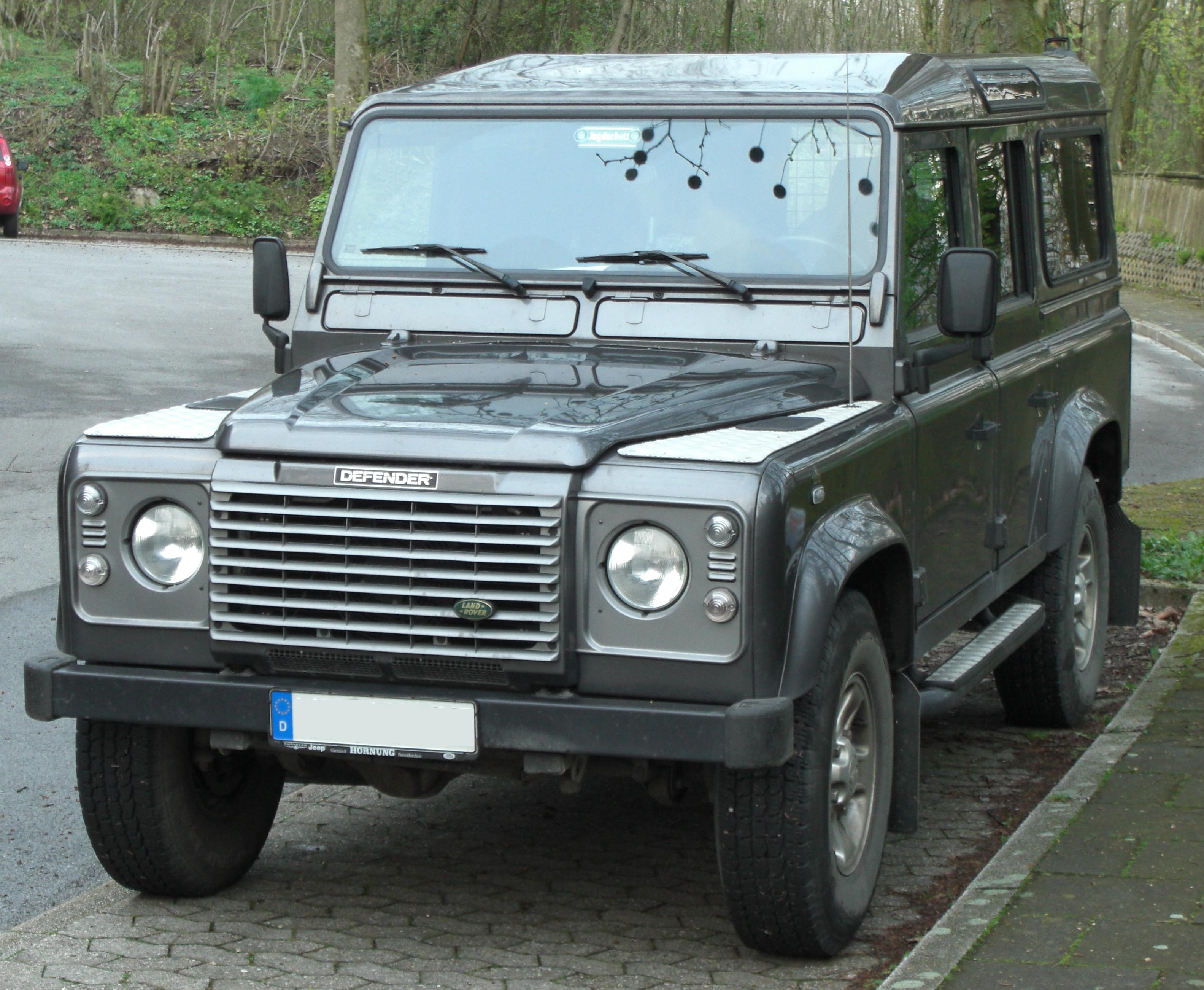 File Land Rover Defender Front Jpg Wikimedia Commons
