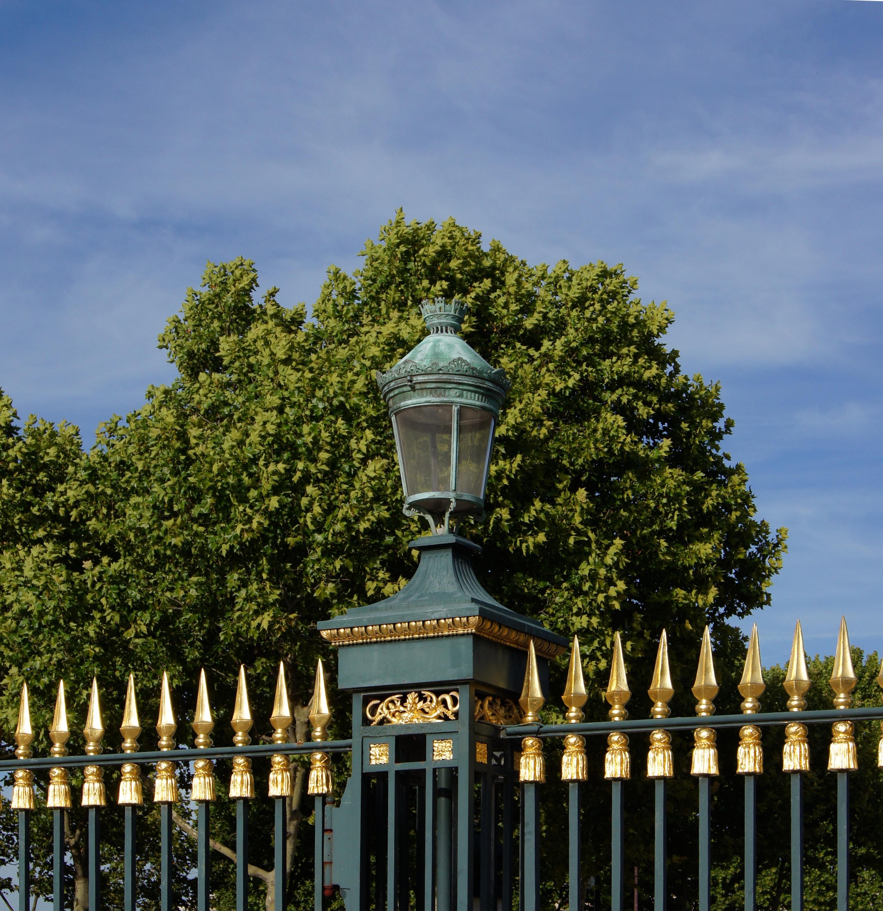 File lanterne entr e jardin des wikimedia - Lanterne de jardin ikea ...