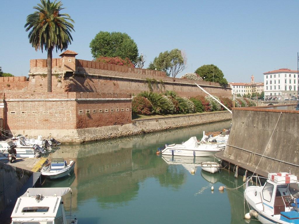 File:Livorno-Fortezzanuova3.JPG - Wikipedia