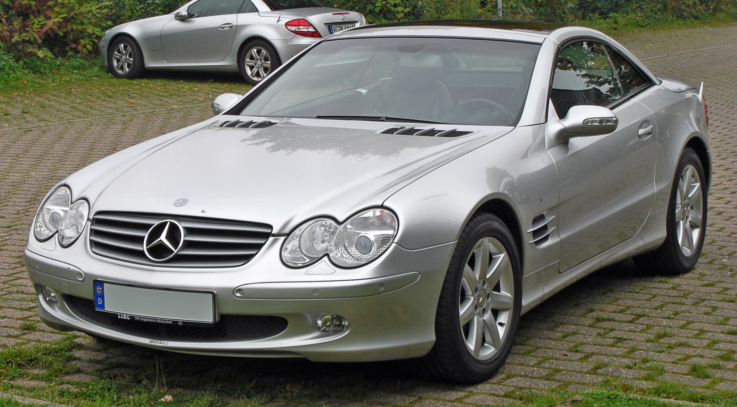 File Mercedes SL 500 front on mercedes benz logo usage