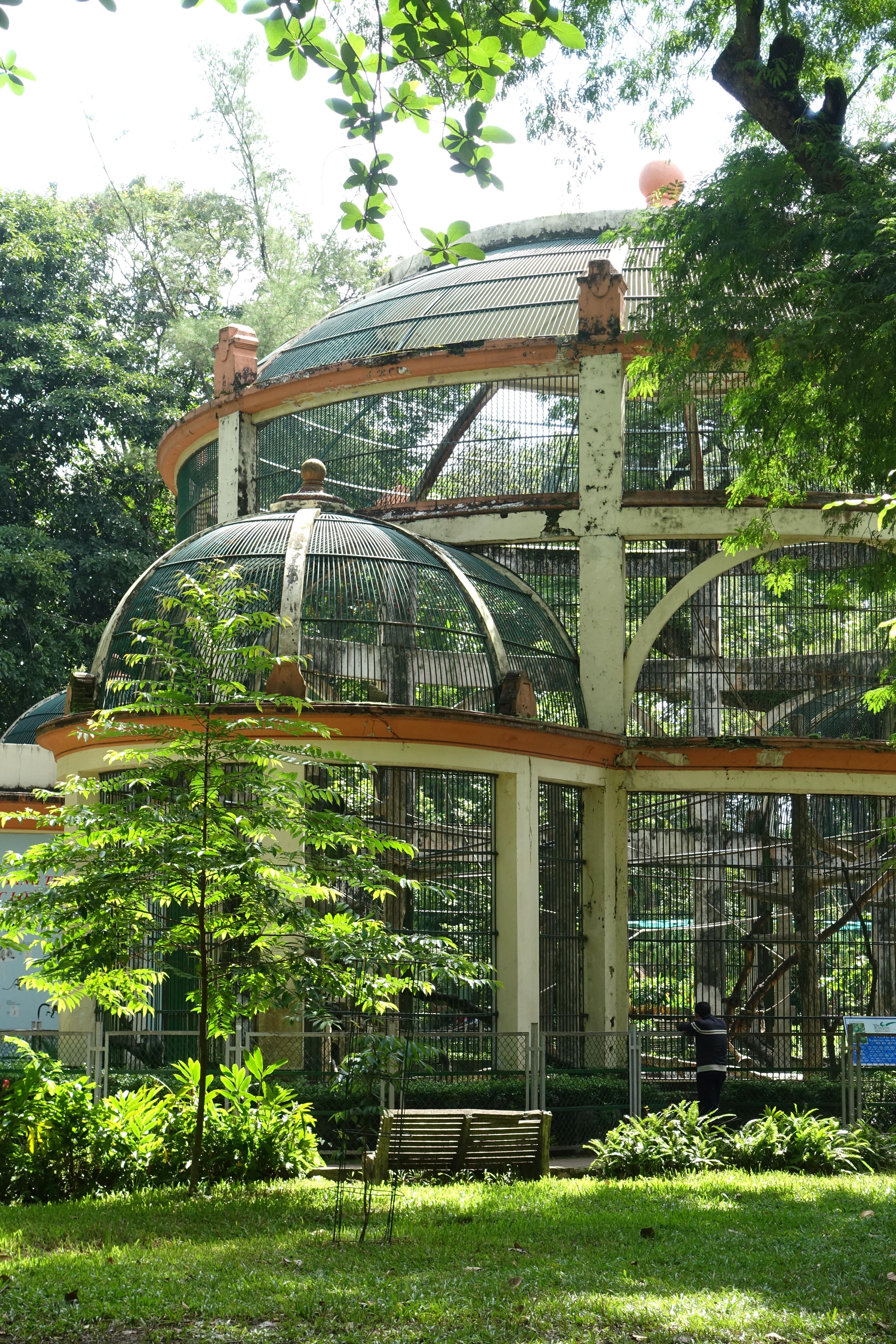 File:Monkey House - Saigon Zoo and Botanical Gardens - Ho Chi Minh City, Vietnam - DSC01315.JPG - Wikimedia Commons