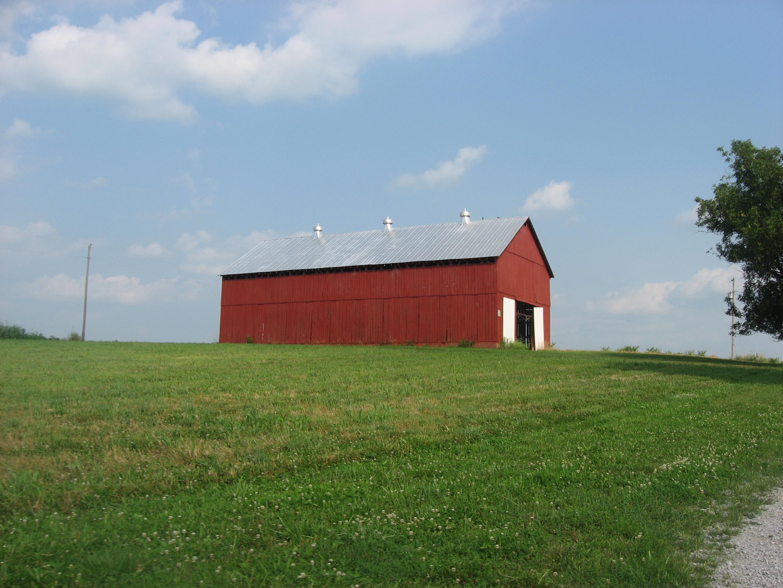 File New barn at the Isaac Tate Farm Wikimedia mons