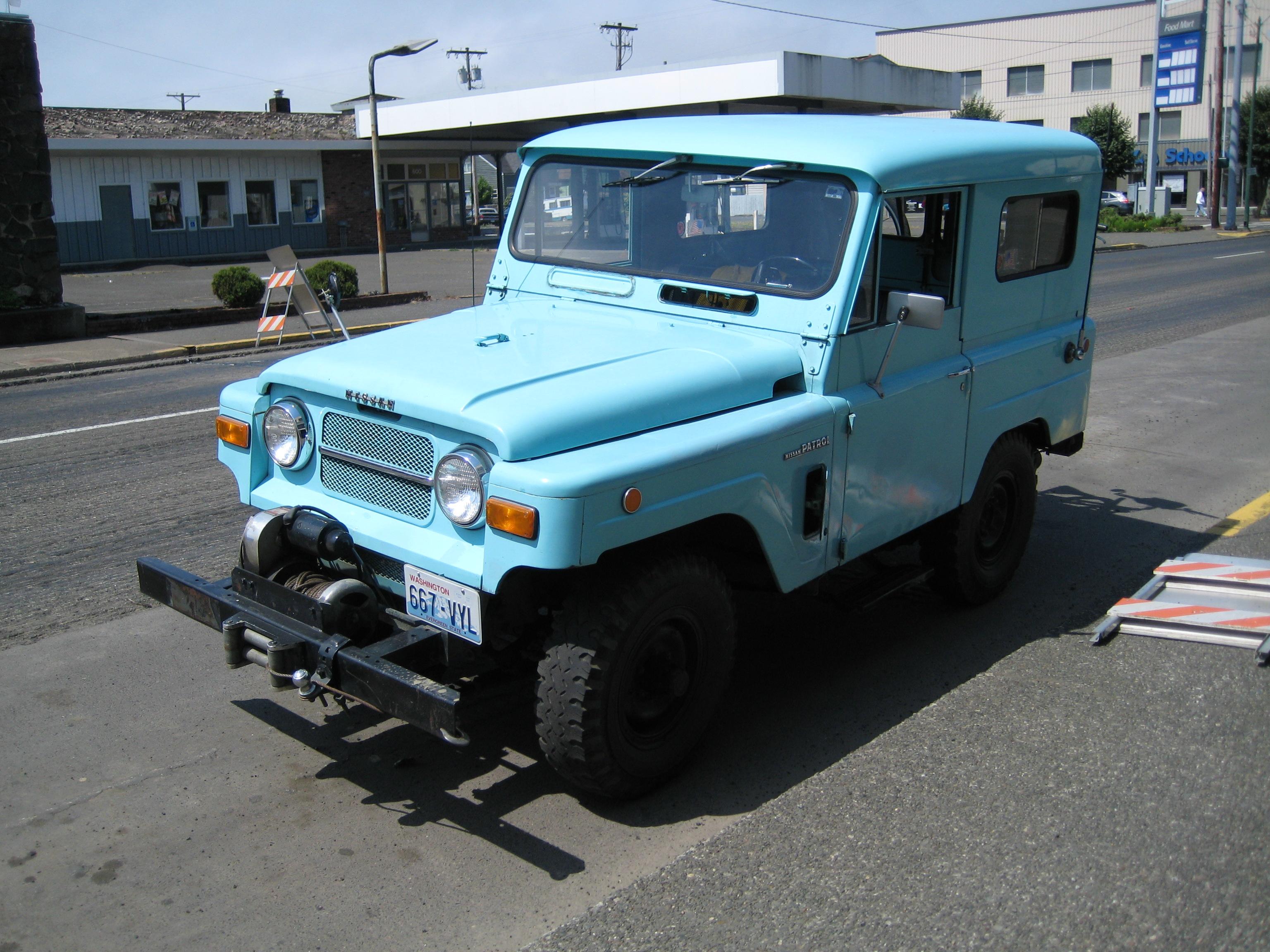 Nissan_Patrol_K60.jpg