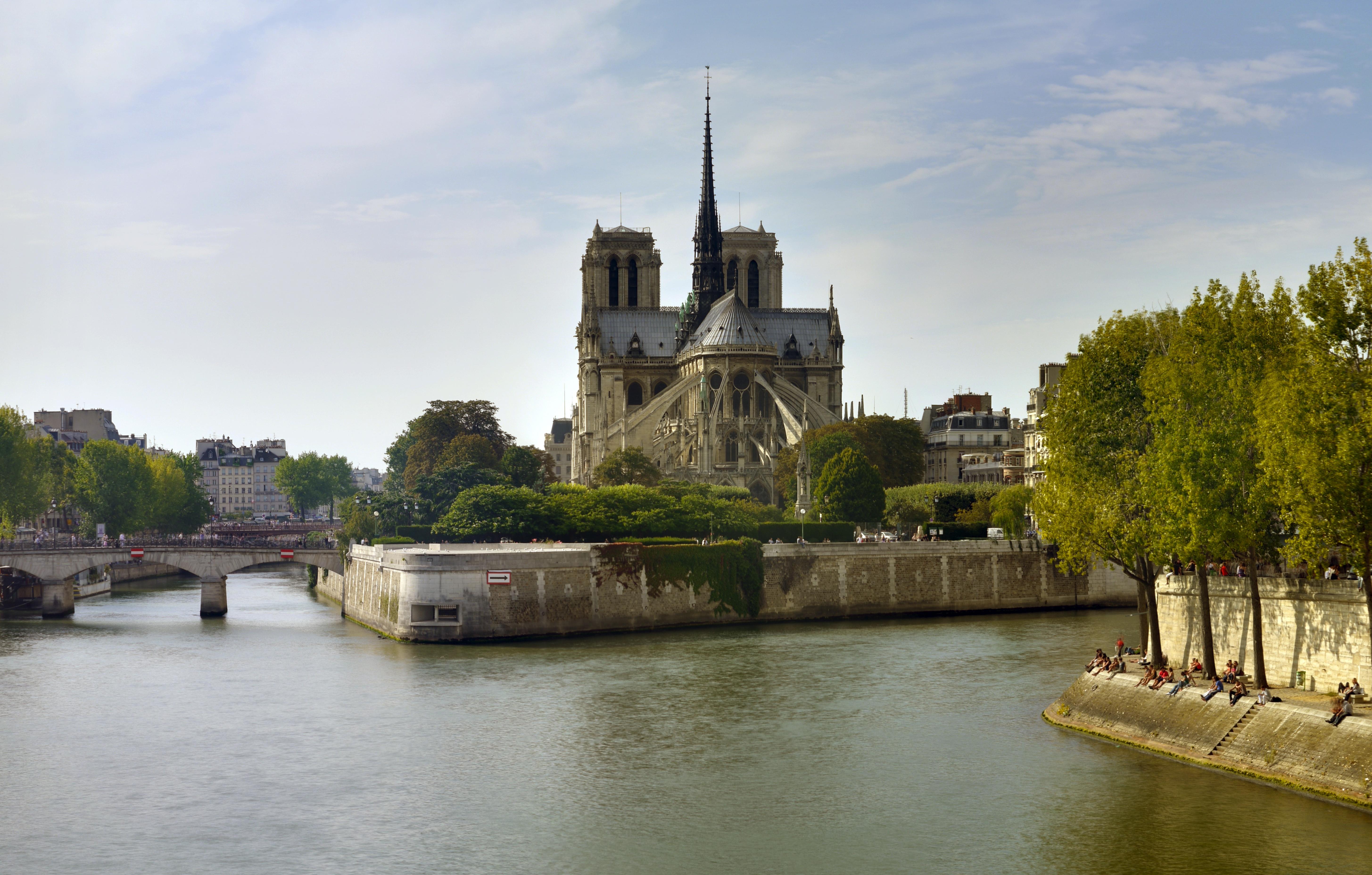 Notre-Dame de Paris, October 2010.jpg - 123 Serrurier Paris 4