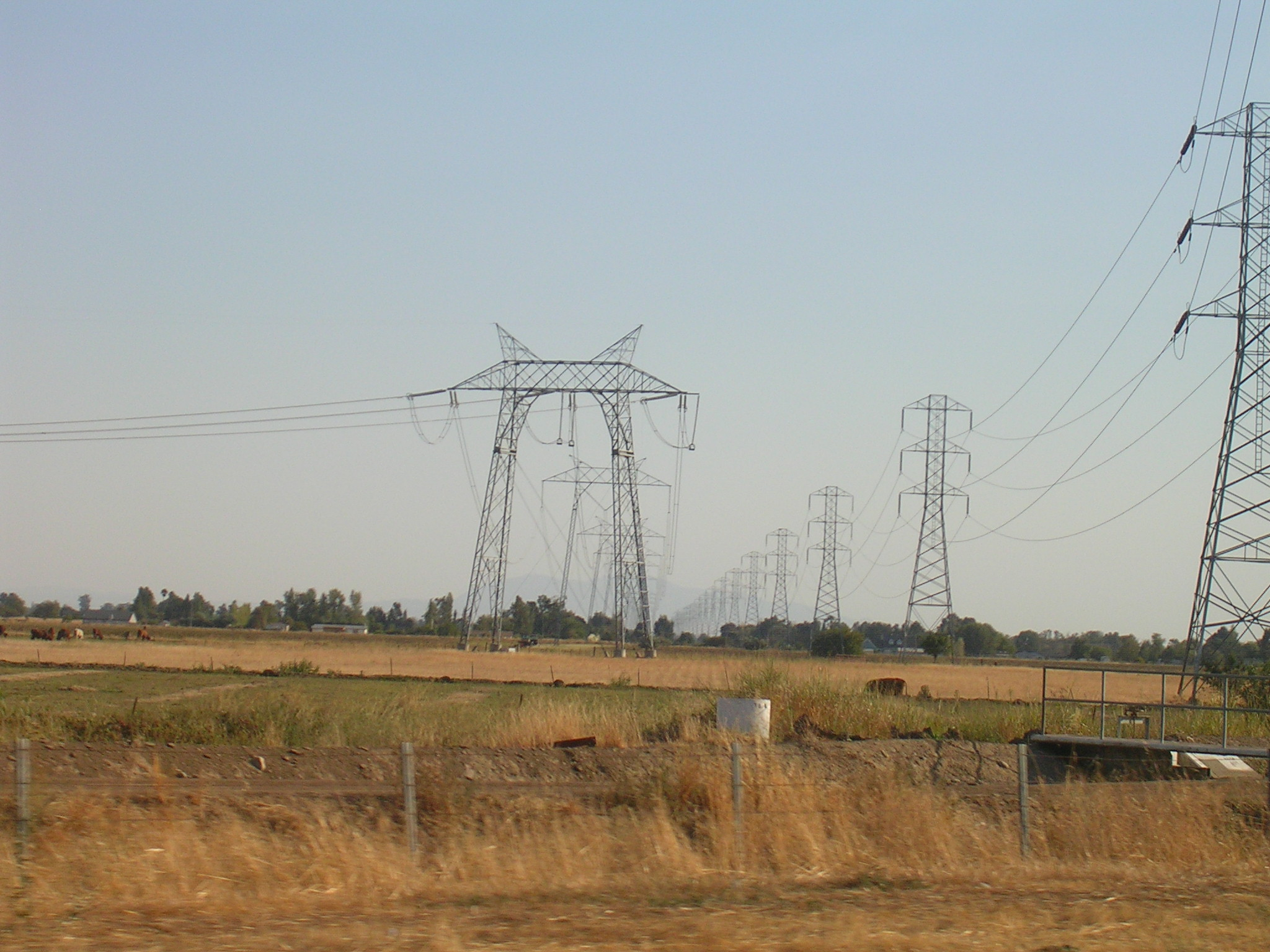 File PGE powerlines on Eastbound Interstate 80 near Vacaville  California in addition 2014 Ford Fusion Energi The Right Stuff 233183 also Top Electric Vans Delivery Vehicles Europe as well Large Format Printing further Ups Will Deploy First Rex Electric Hydrogen Fuel Cell Delivery Trucks September. on electric work van