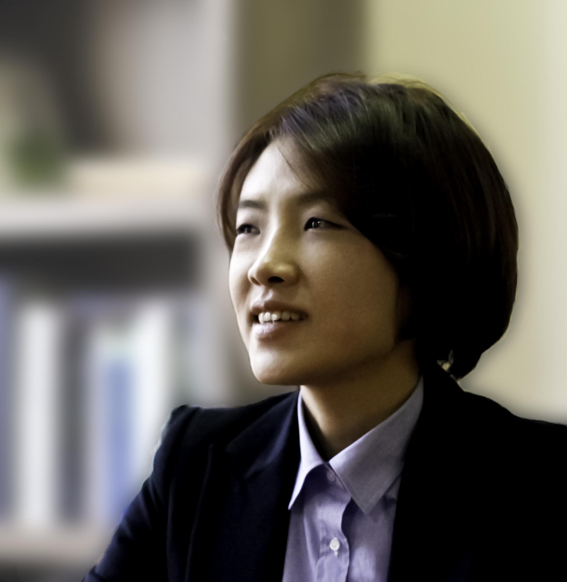 Park_Eun_Ji_in_2012-03-05.jpg