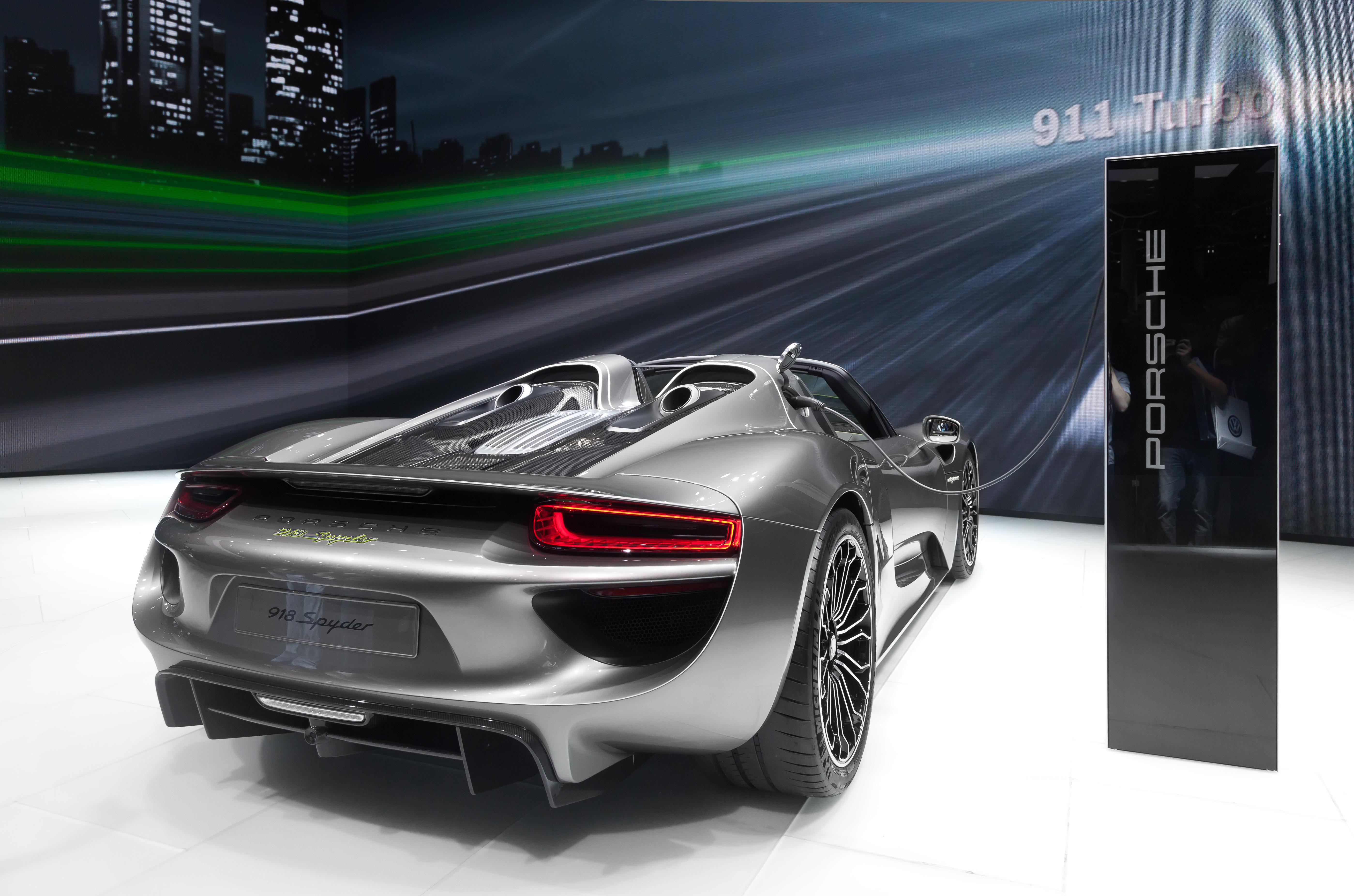 Porsche_918_Spyder_IAA_2013_Heckansicht_rechts Astounding where are Porsche 918 Spyder Location Cars Trend