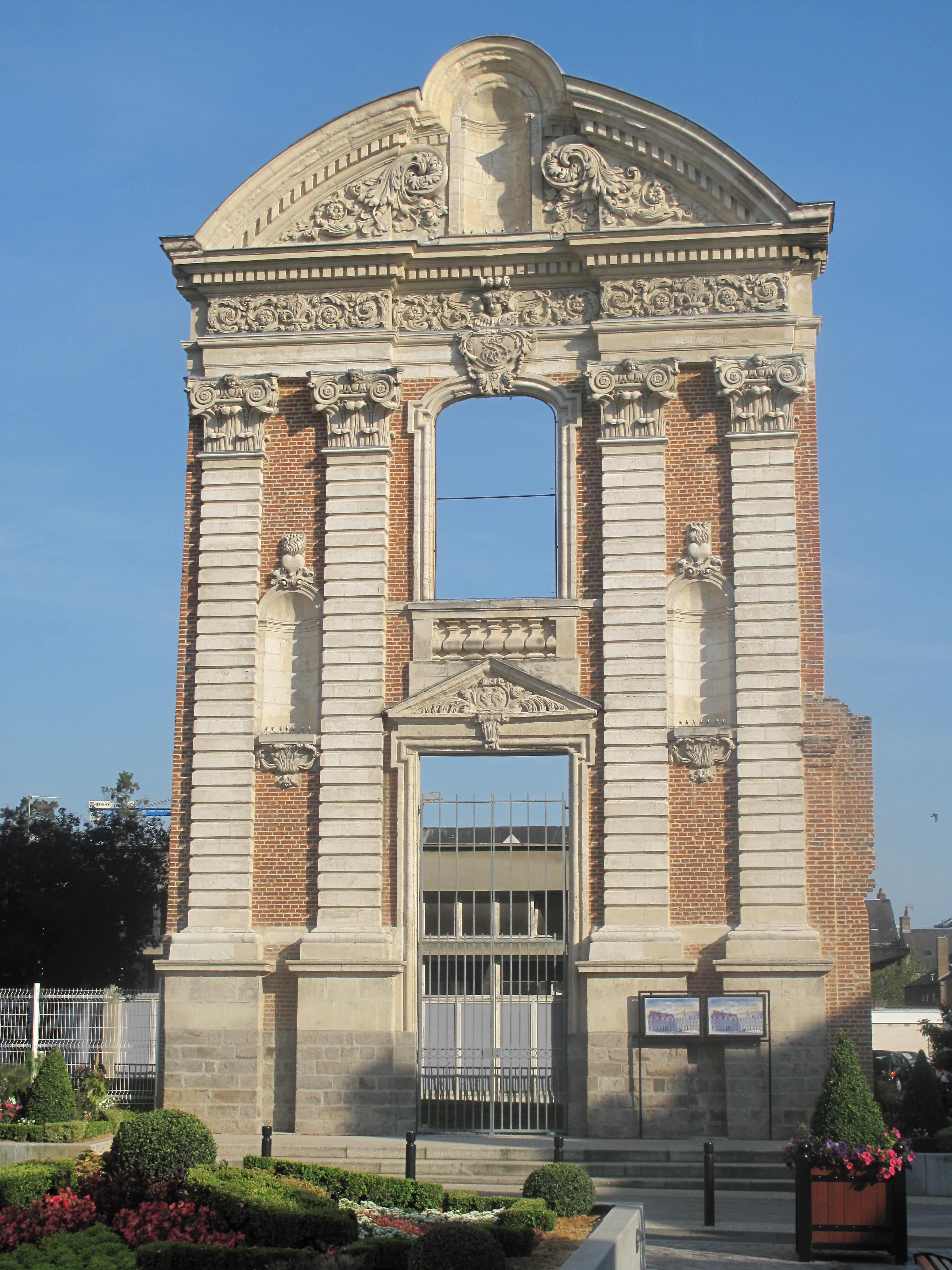 File porte du couvent des ursulines - Mise a la porte du couvent ...