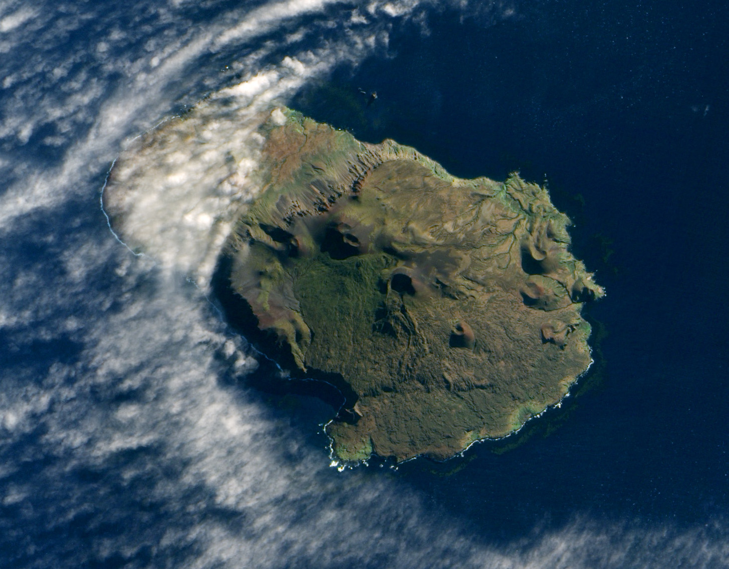 File Prince Edward Island South Africa Eo 1 Ali Satellite Image 5 May 2009 Jpg Wikimedia
