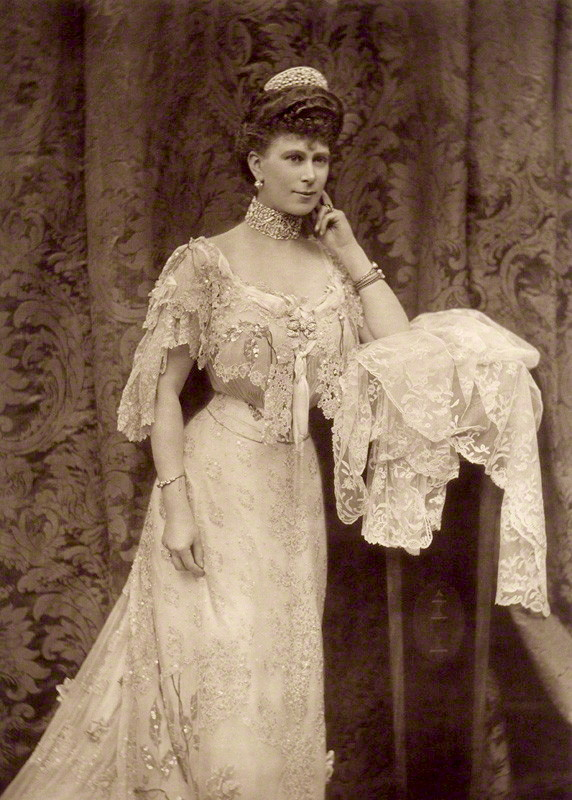 Image of Alice Mary Hughes from Wikidata