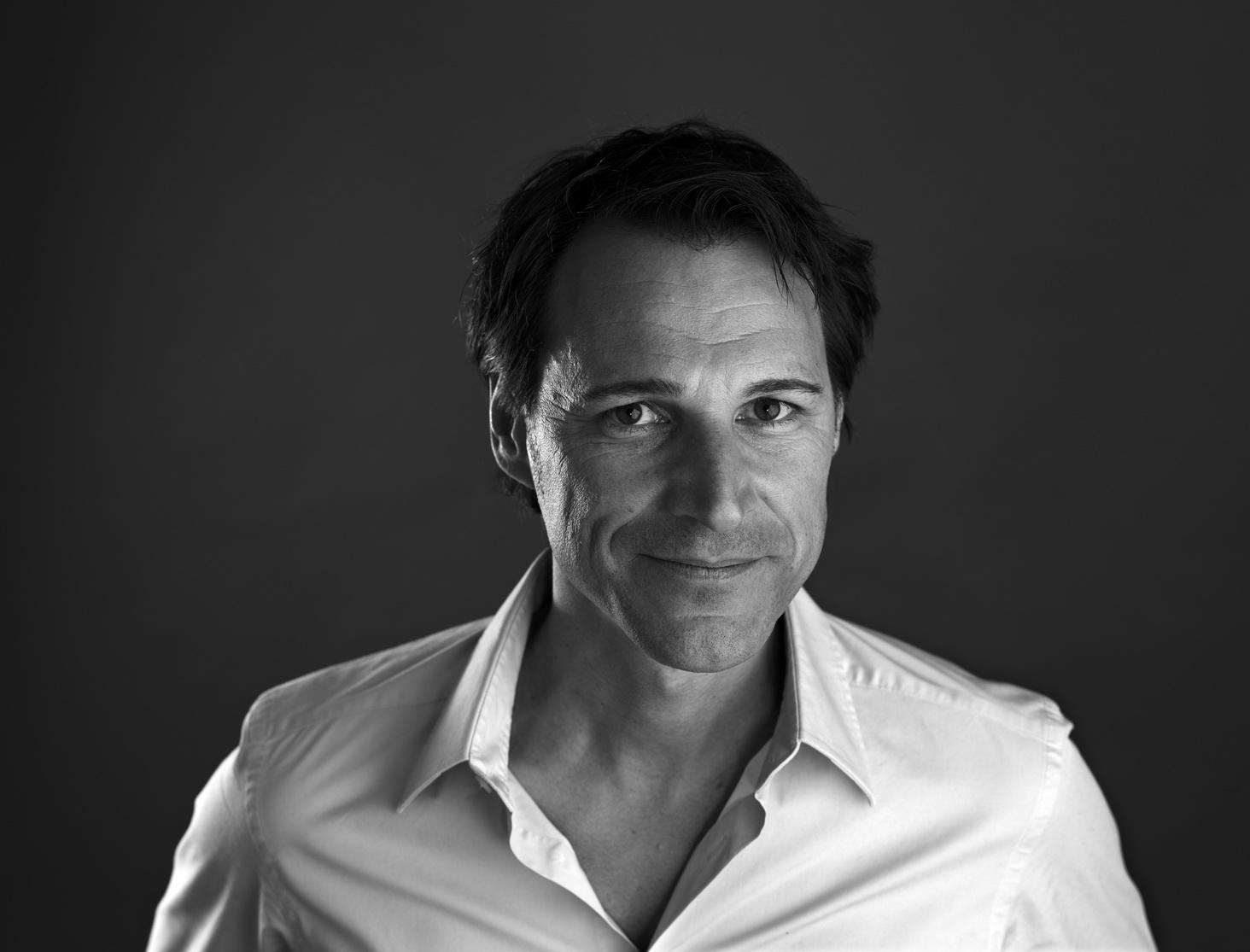 Dobelli's promotional portrait in 2010
