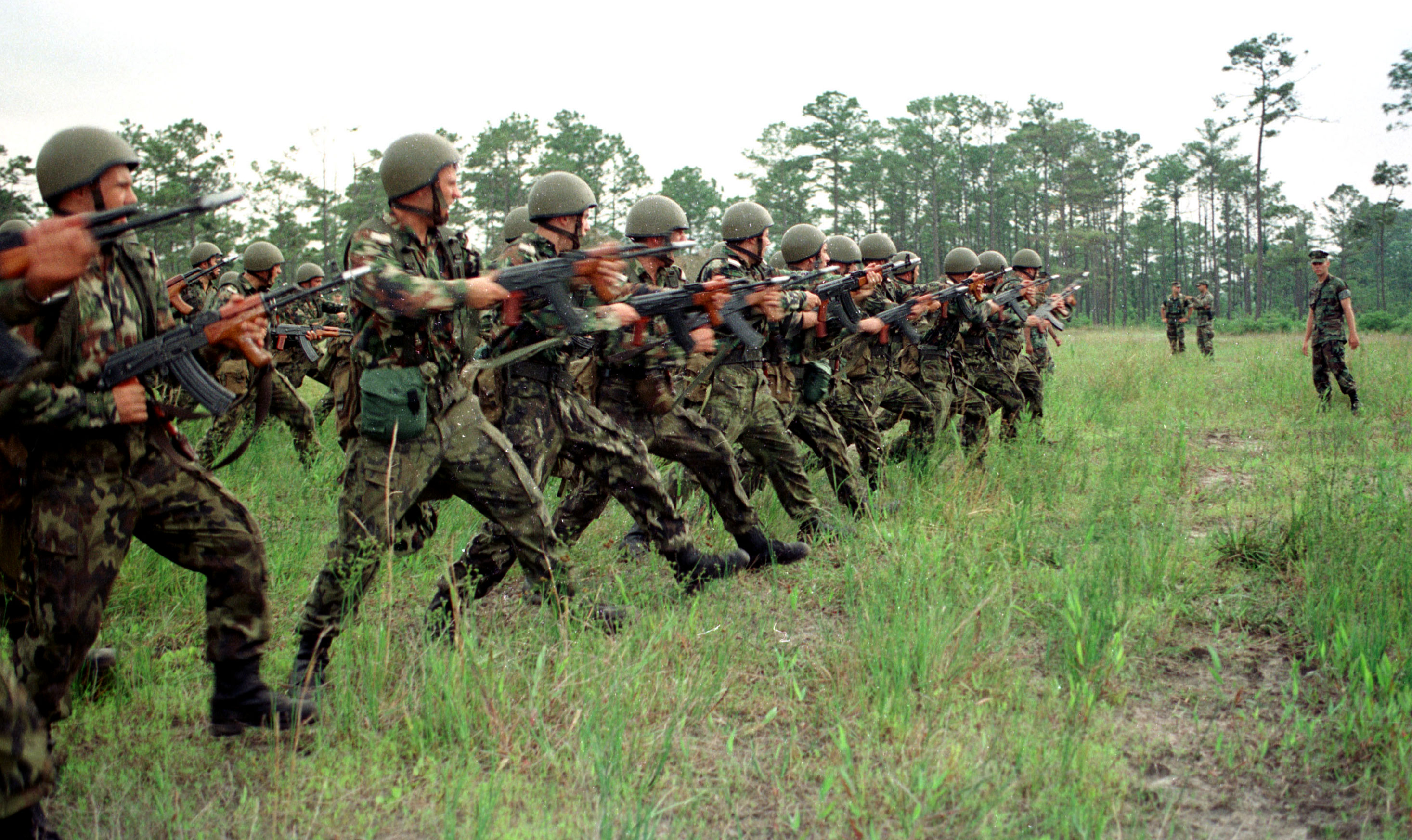 File:Romanian Soldiers Partnership for Peace (PfP) 1998 ...