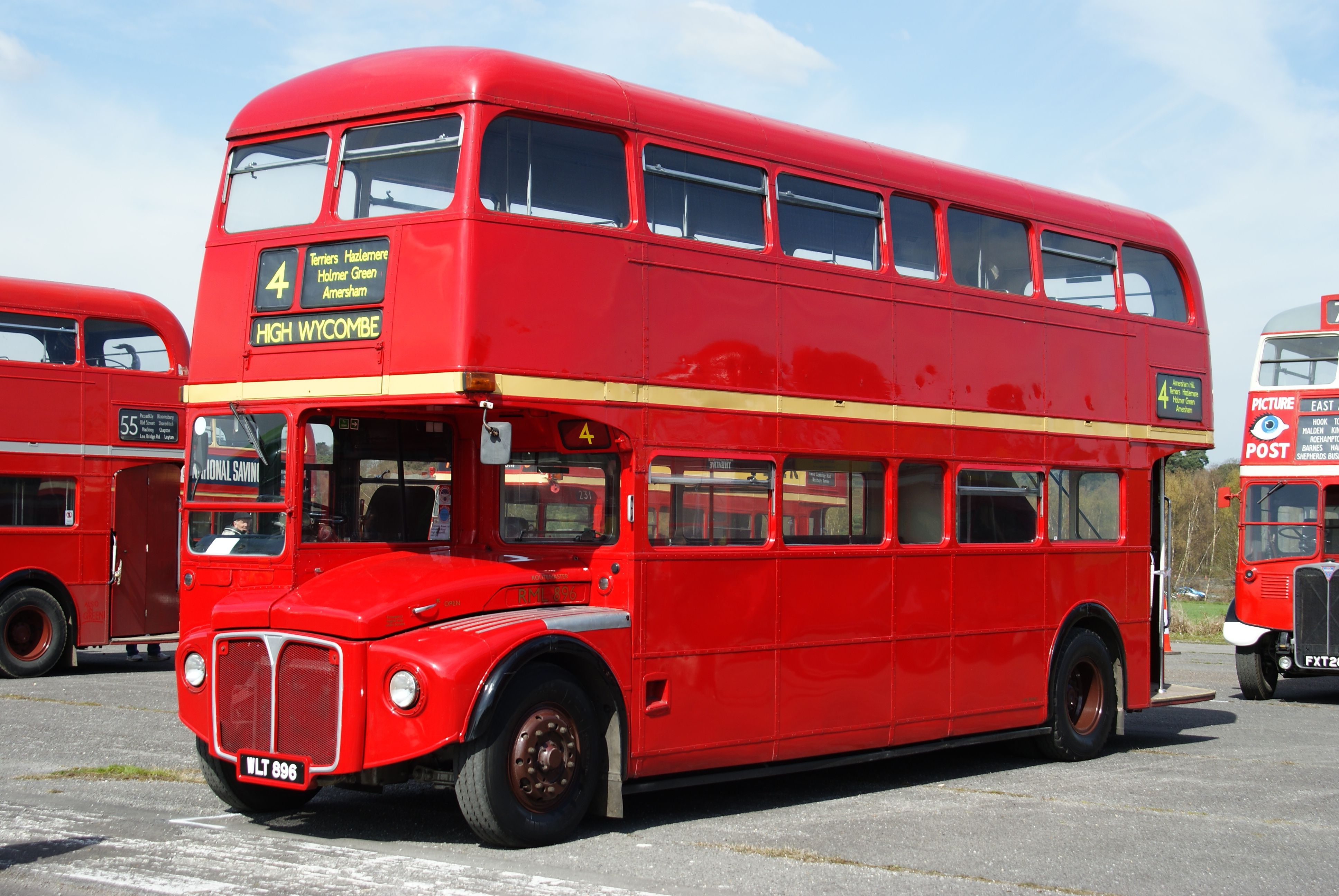 File:Routemaster RML896 (WLT 896), 2010 Cobham bus rally.jpg