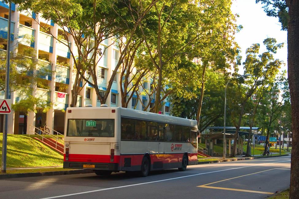 File smrt bus service 911 in front of block 878 woodlands for Mercedes benz woodlands service
