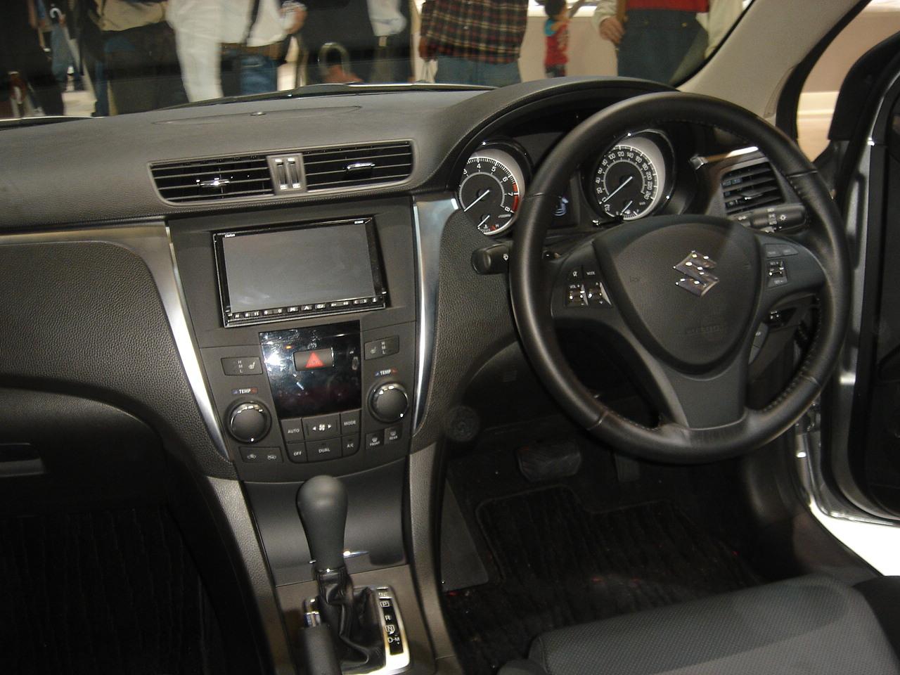 Suzuki Kizashi Interior