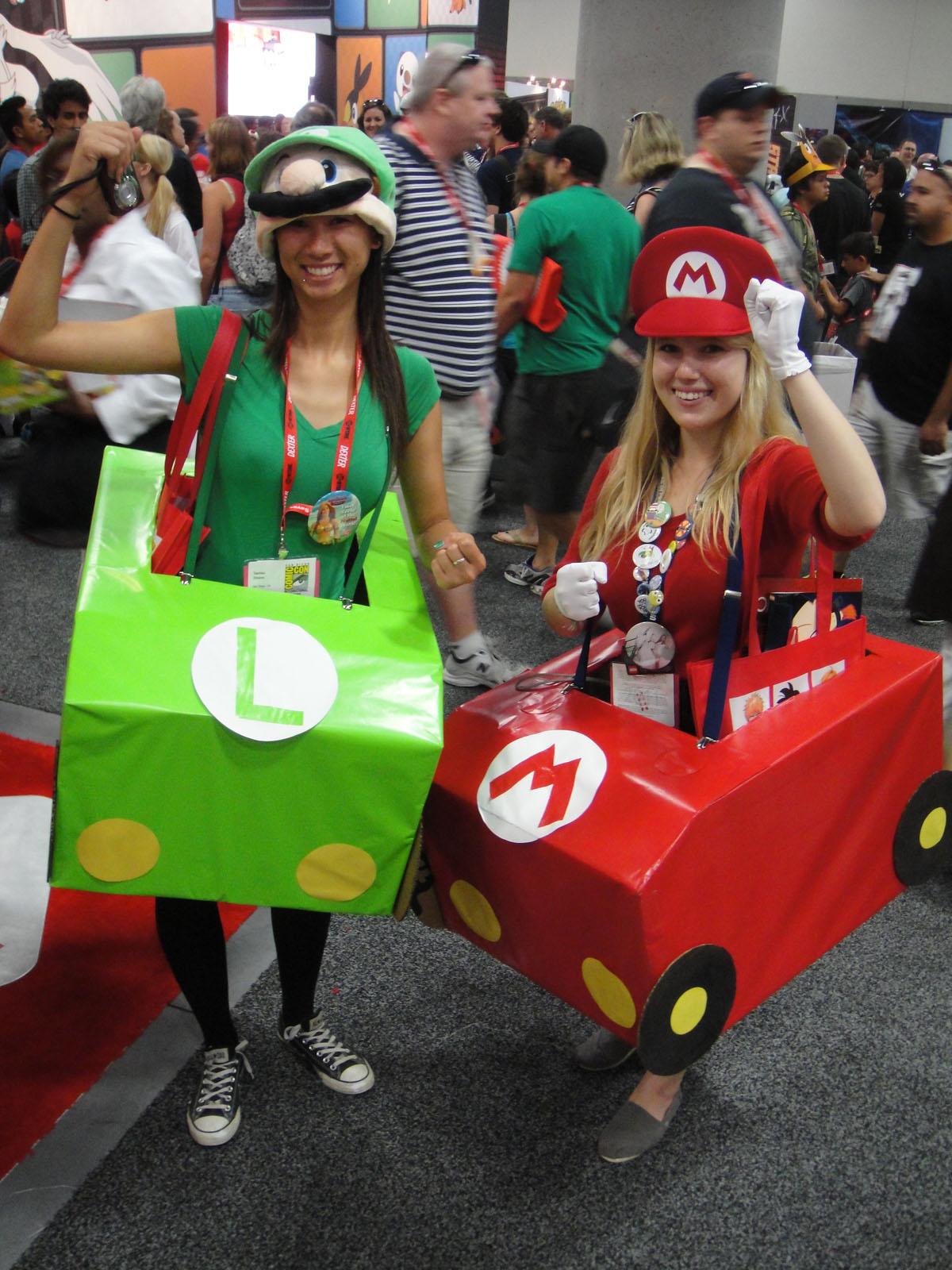 File San Diego Comic Con 2011 Mario Luigi Mario Kart Costumes
