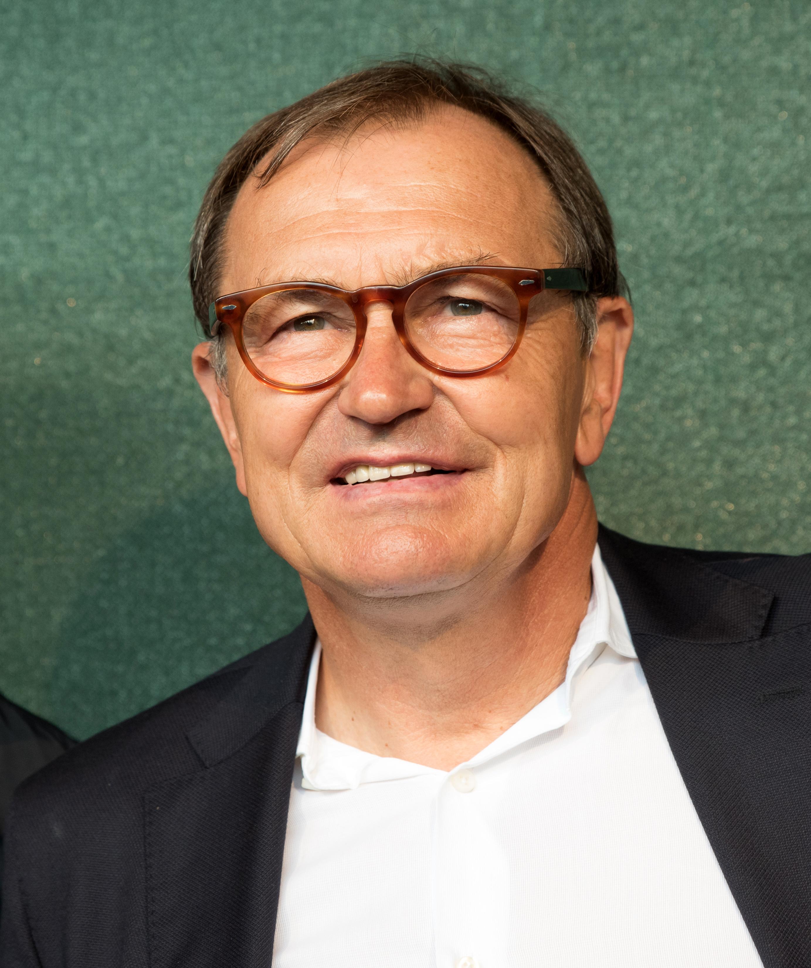 Ewald Lienen Wikipedia