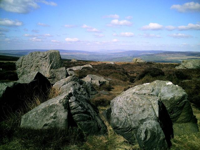Thimble Stones, Ilkley Moor - geograph.org.uk - 1252089