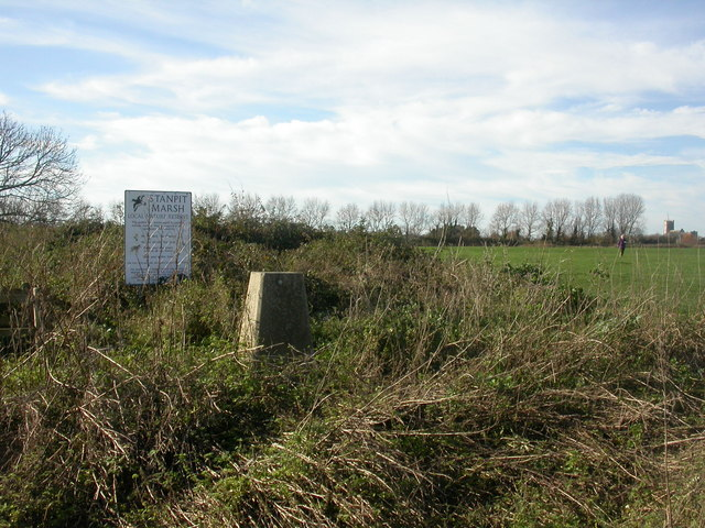 Trig point, Stanpit - geograph.org.uk - 1051066