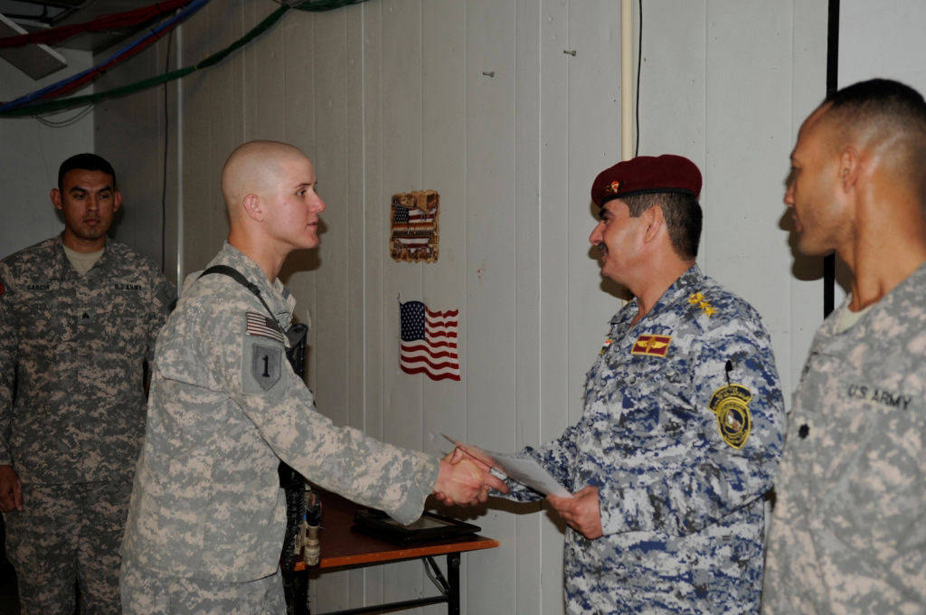Fileus Army Lt Col Andrew C Gainey Right Looks On As Iraqi