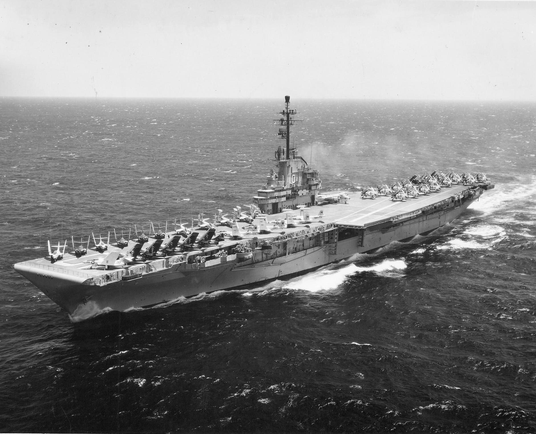 File:USS Yorktown (CVA-10) underway in 1956.jpeg - Wikimedia Commons