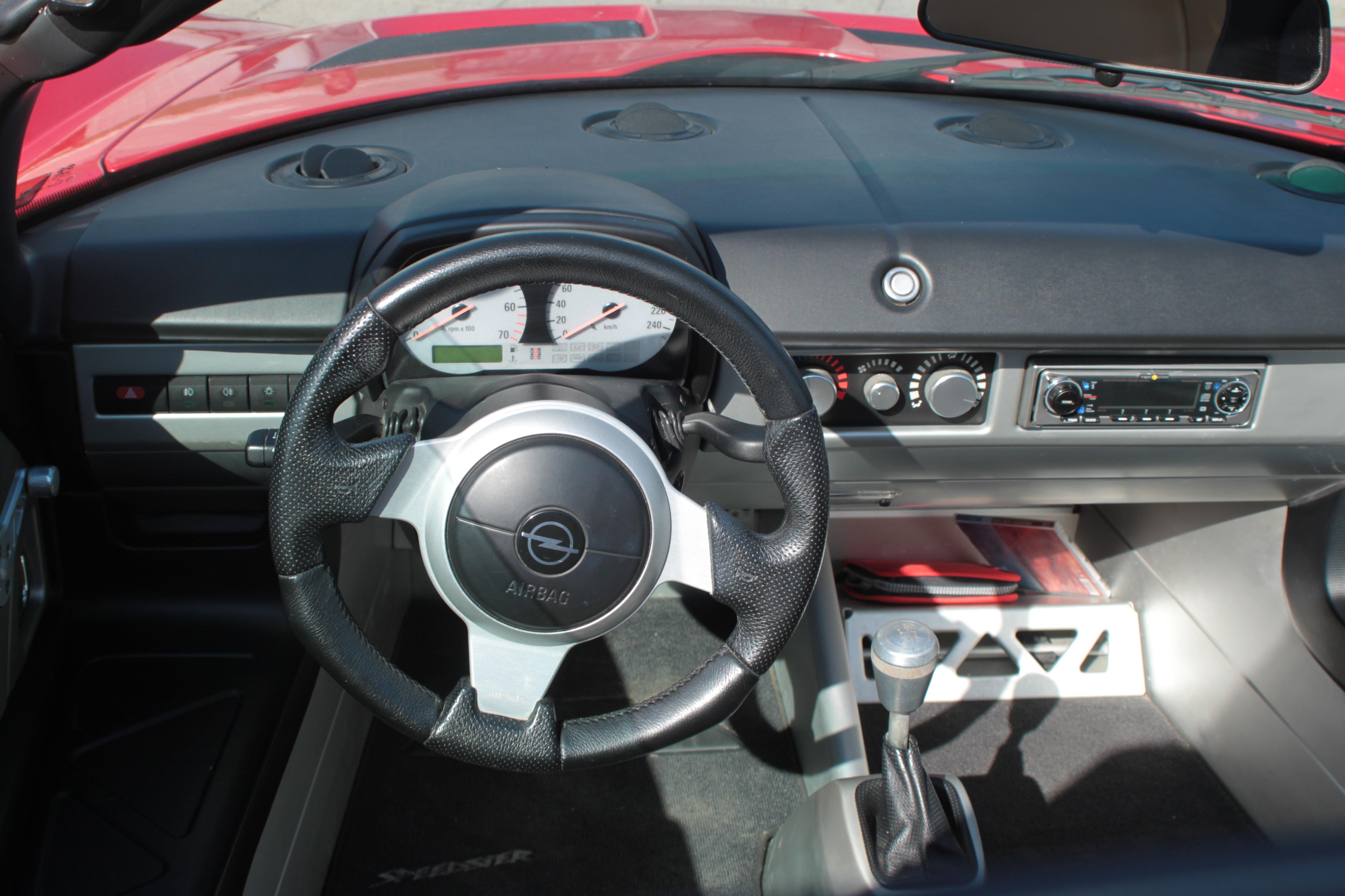 Opel Speedster - 14 June 2013 - Autogespot